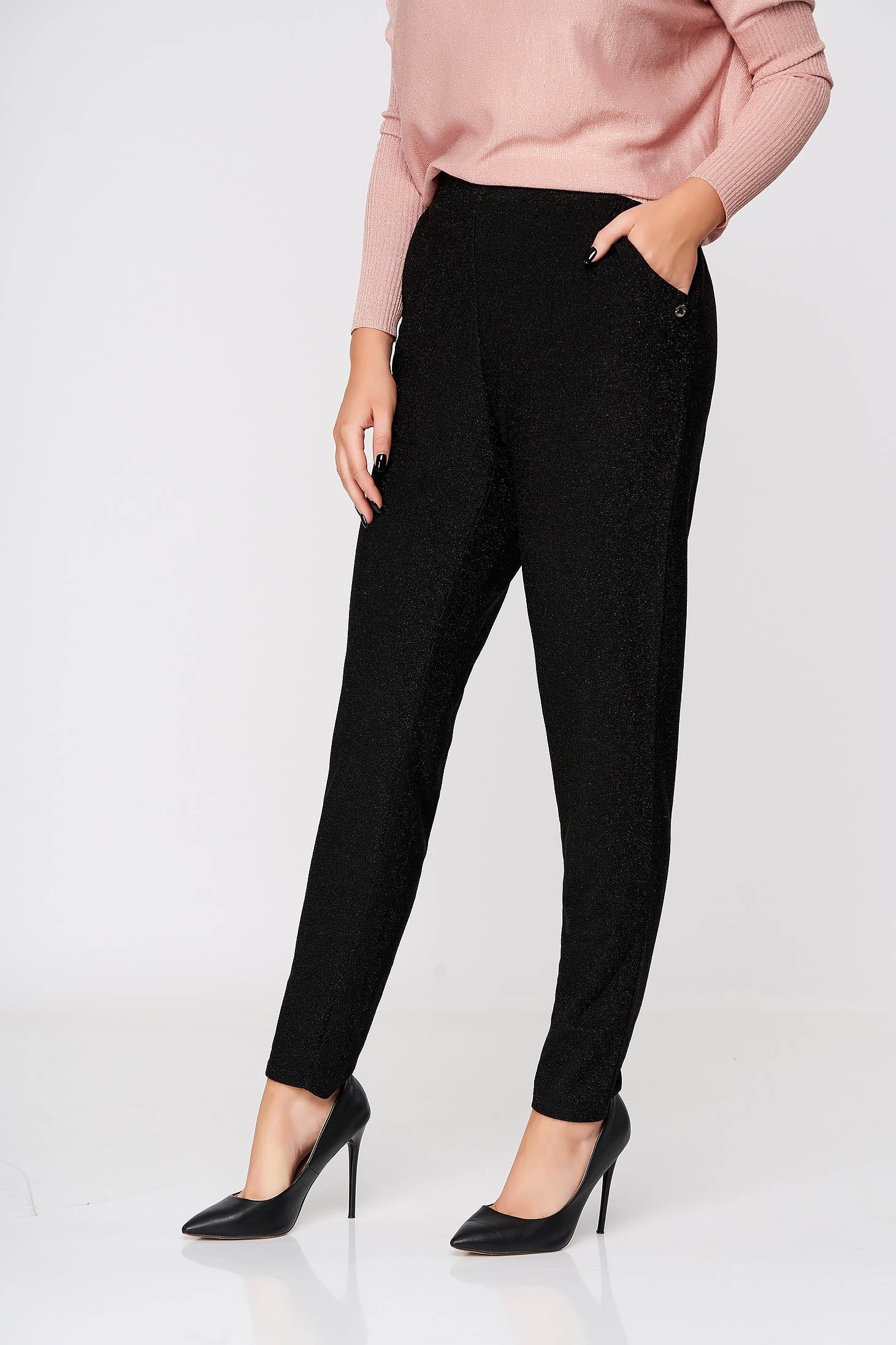 Pantaloni Top Secret negri lungi casual conici cu buzunare