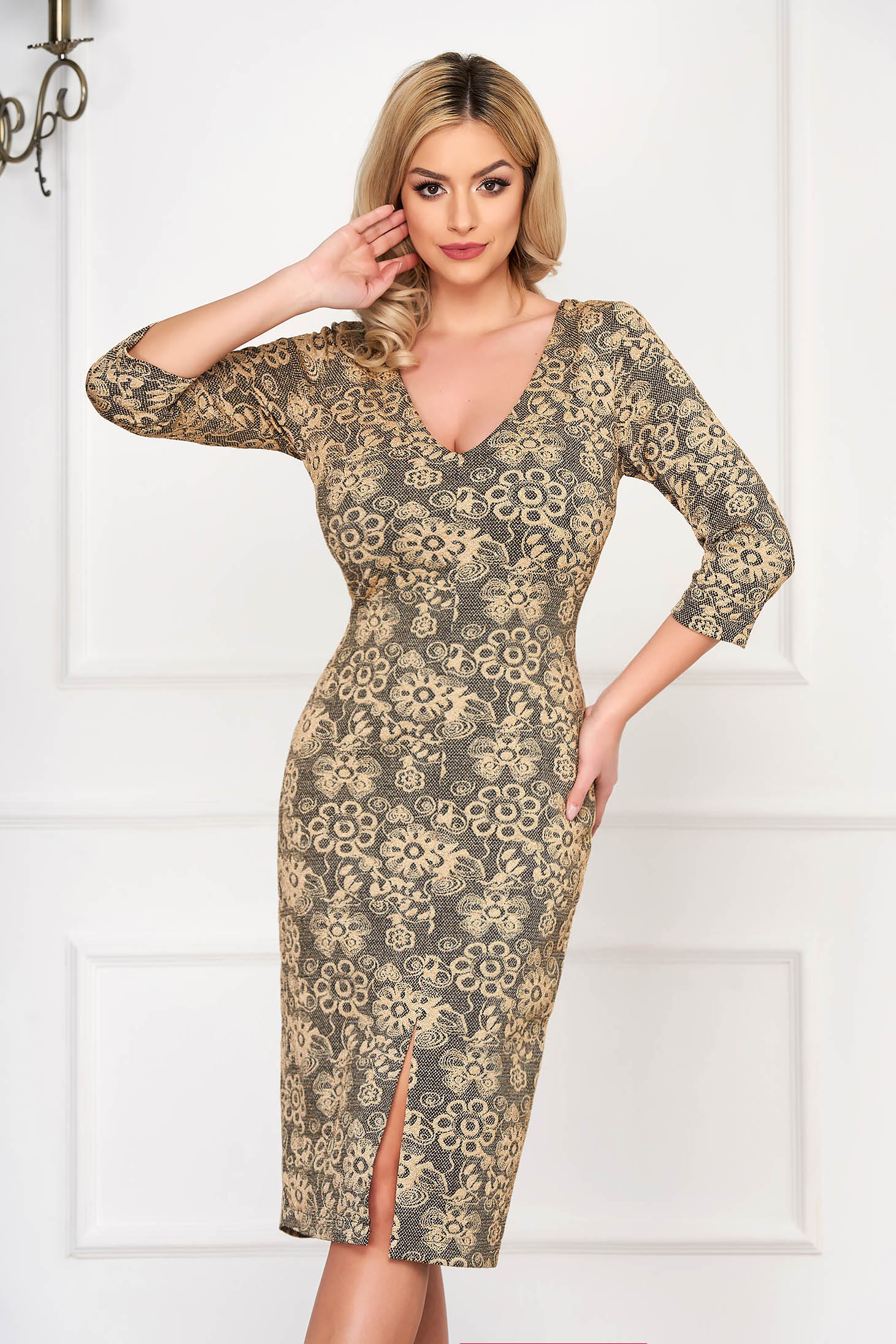 StarShinerS gold dress cut with a bodycon fit with v-neckline occasional 3/4 sleeve elegant