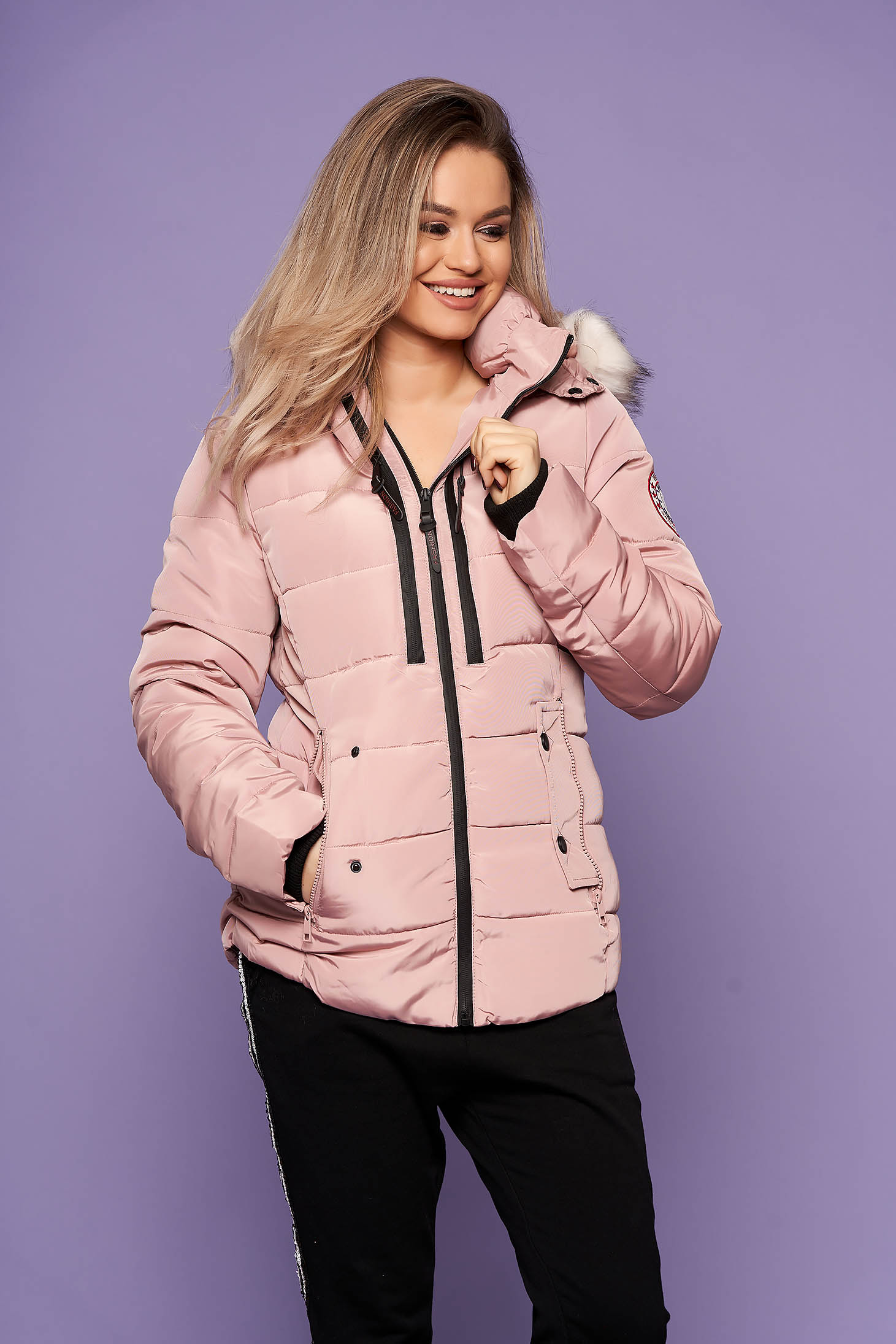 Lightpink jacket casual short cut with pockets long sleeved with furry hood