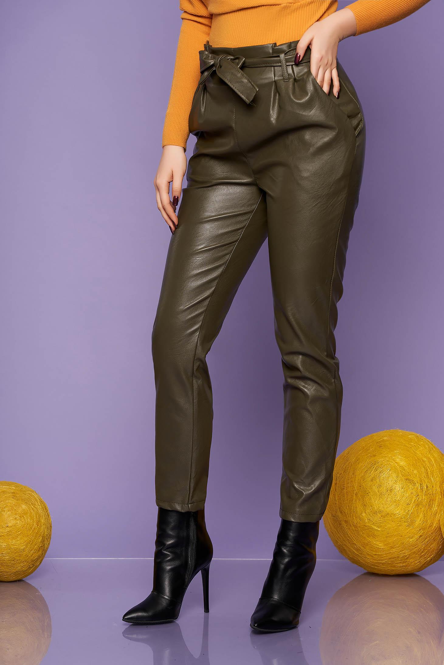 Pantaloni SunShine din piele ecologica verzi casual conici cu talie inalta cu buzunare si accesorizati cu cordon