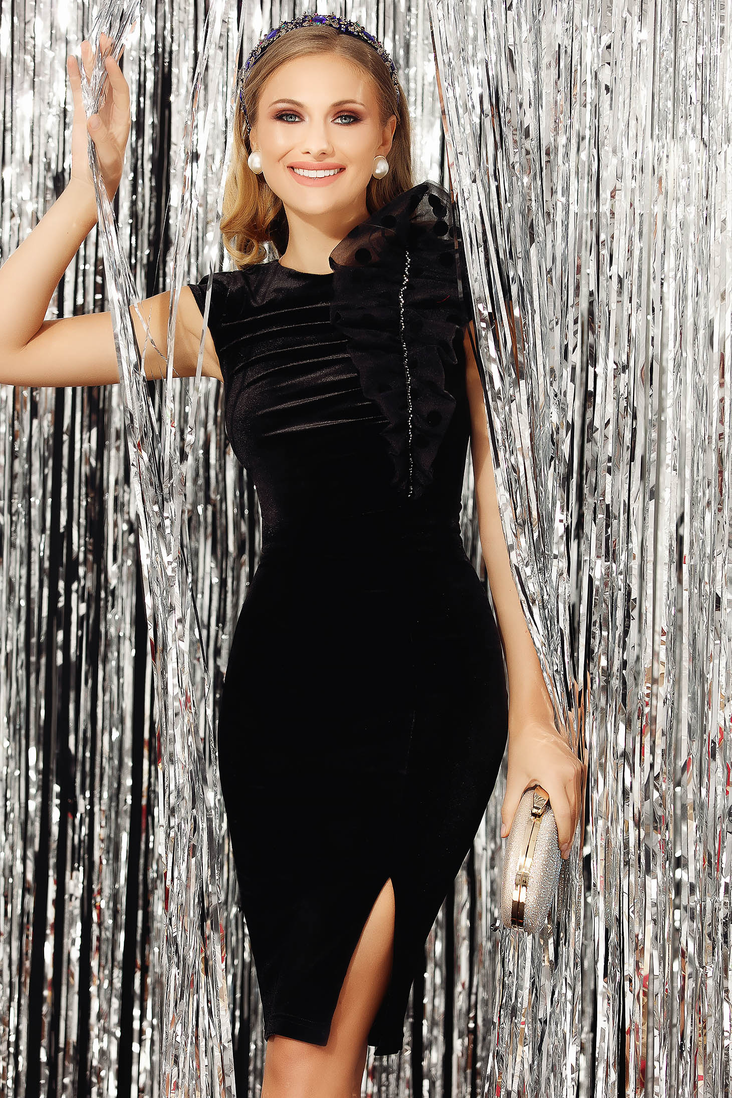 Black dress occasional from velvet slit arched cut sleeveless pencil