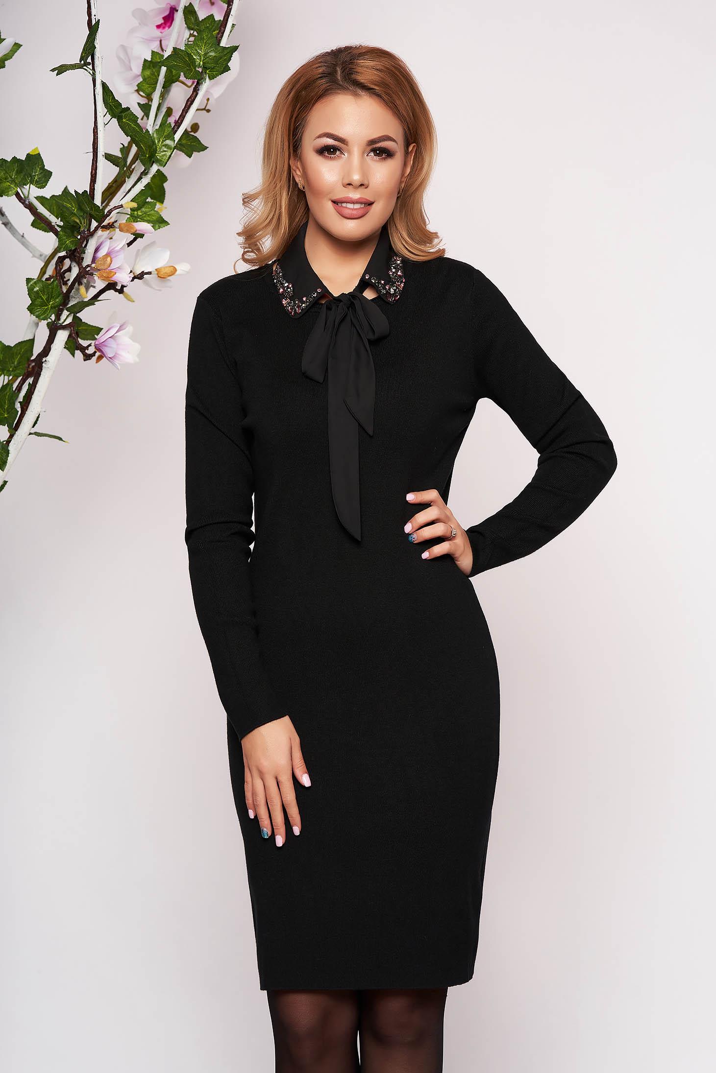 Rochie SunShine neagra eleganta tricotata tip creion cu maneci lungi guler detasabil decolteu la baza gatului