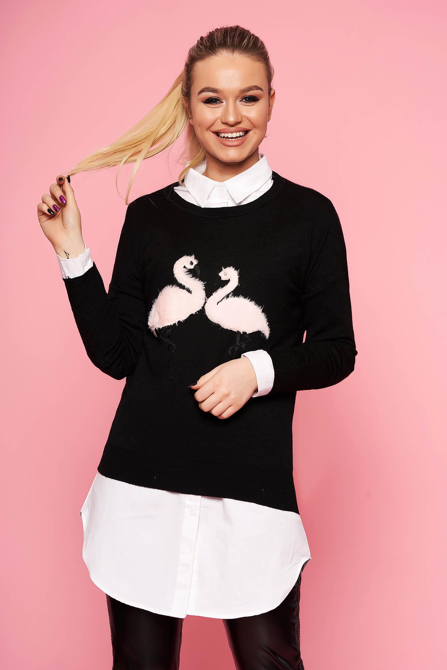 Pulover SunShine negru casual tricotat scurt cu croi larg cu decolteu la baza gatului si insertii cu blana ecologica
