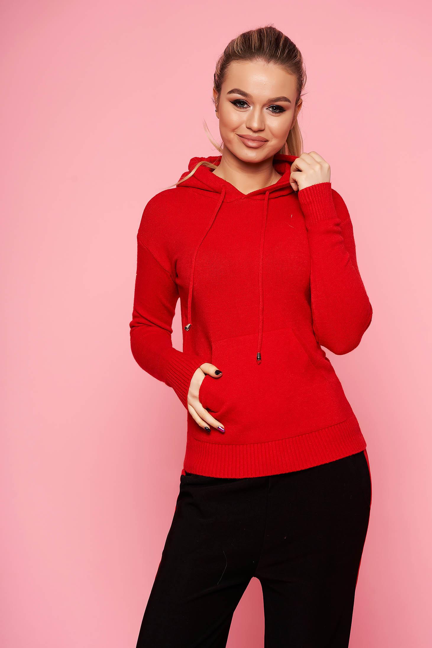Pulover SunShine rosu casual scurt tricotat cu maneci lungi cu gluga si un buzunar in fata