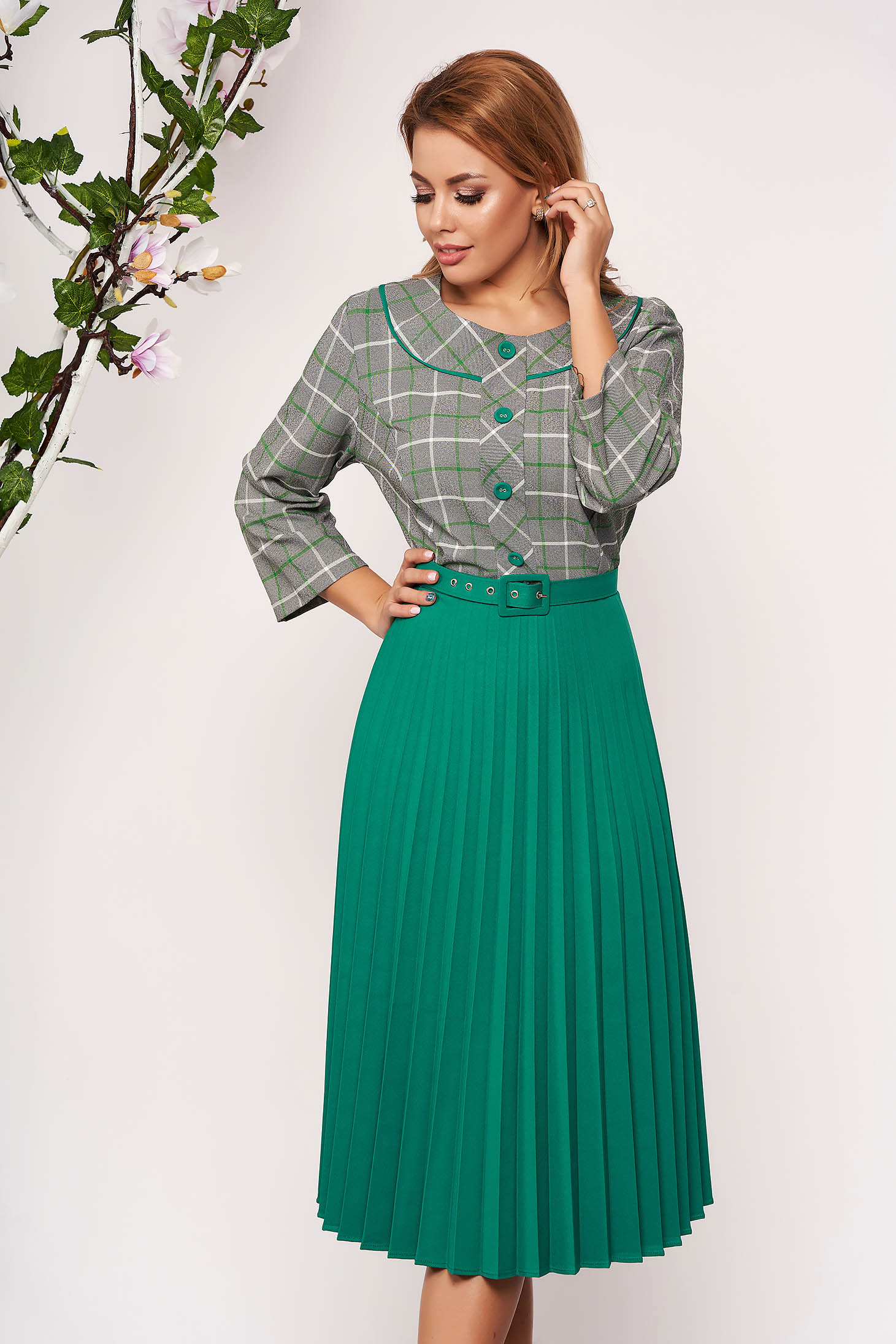 Rochie verde office midi in clos cu maneci trei-sferturi si fusta plisata