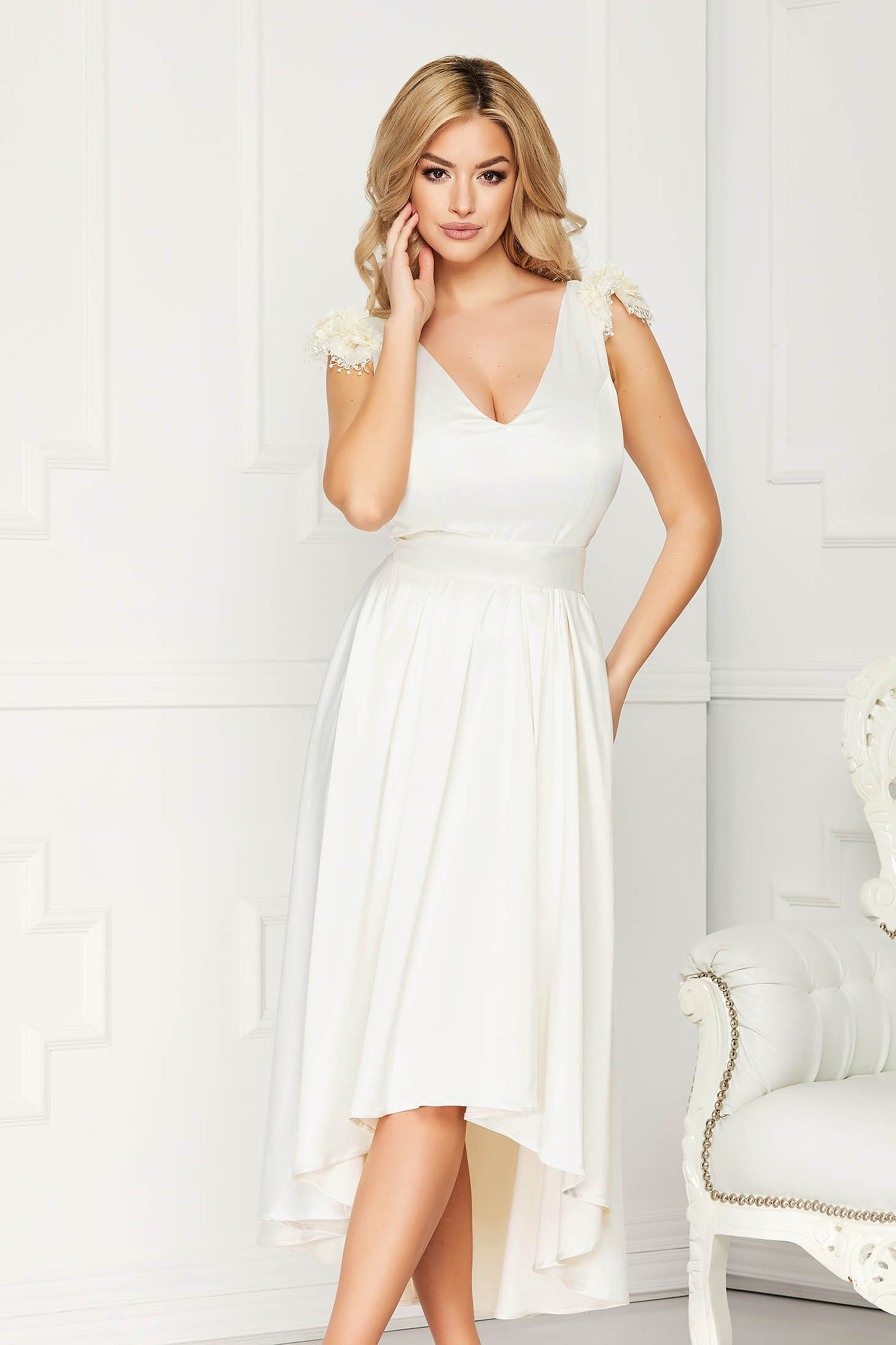 Dress StarShinerS cream asymmetrical occasional cloche from satin sleeveless with lace details