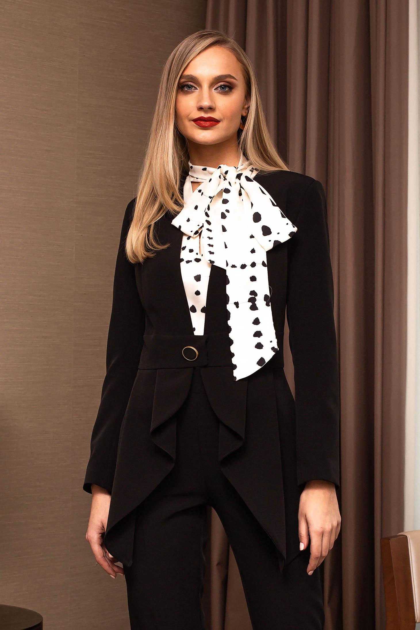 Black jacket elegant tented accessorized with belt