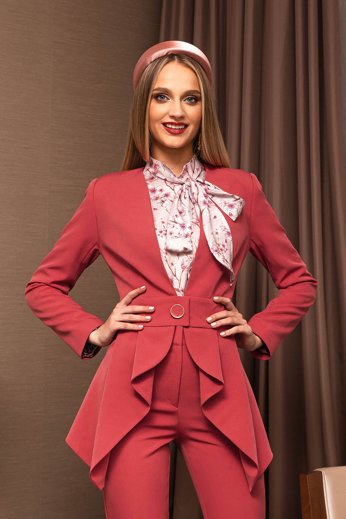 Coral jacket elegant tented accessorized with belt