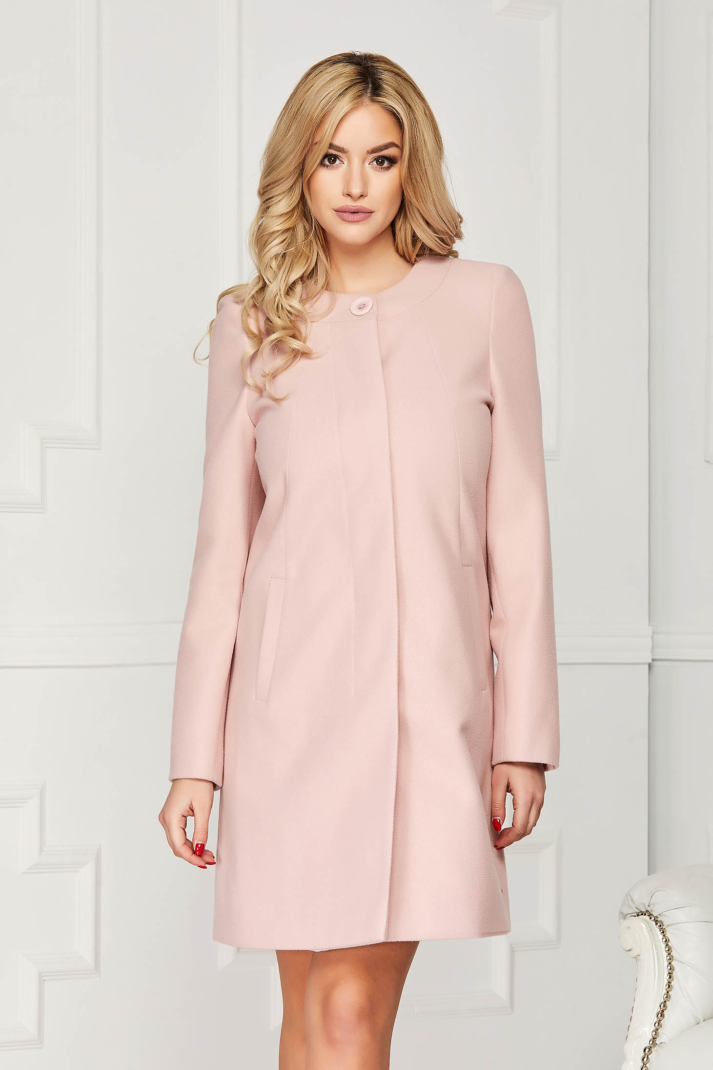 Lightpink trenchcoat elegant short cut wool straight one button fastening