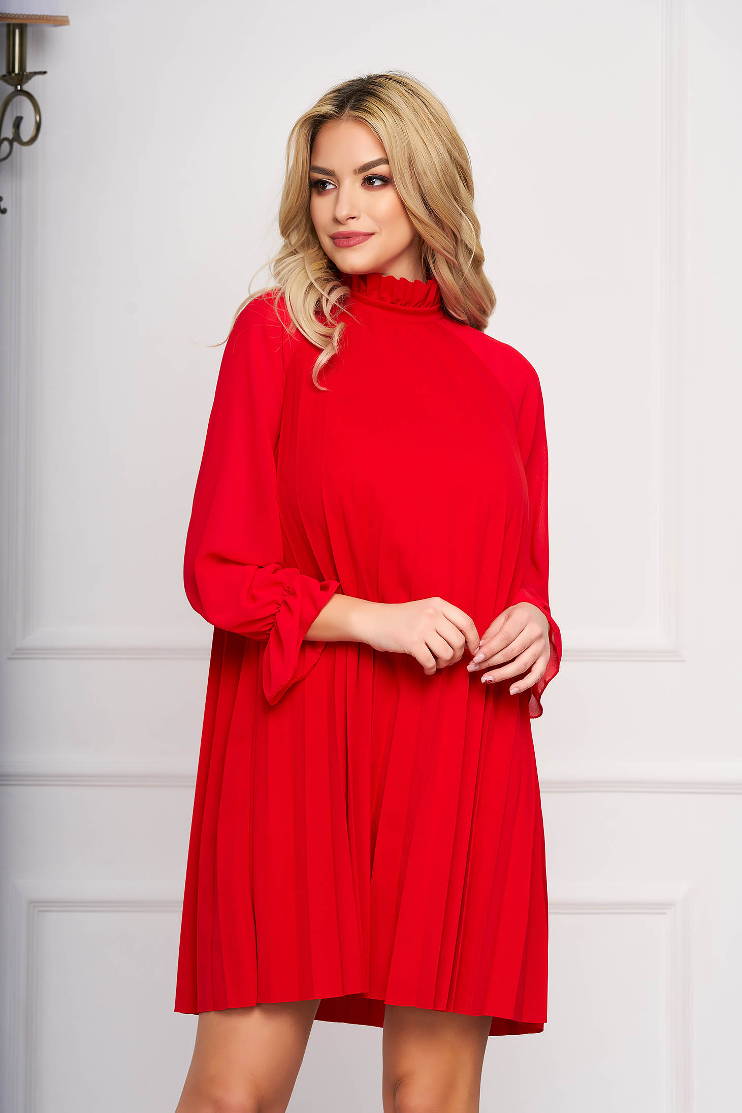 Red dress elegant short cut from veil fabric a-line long sleeved