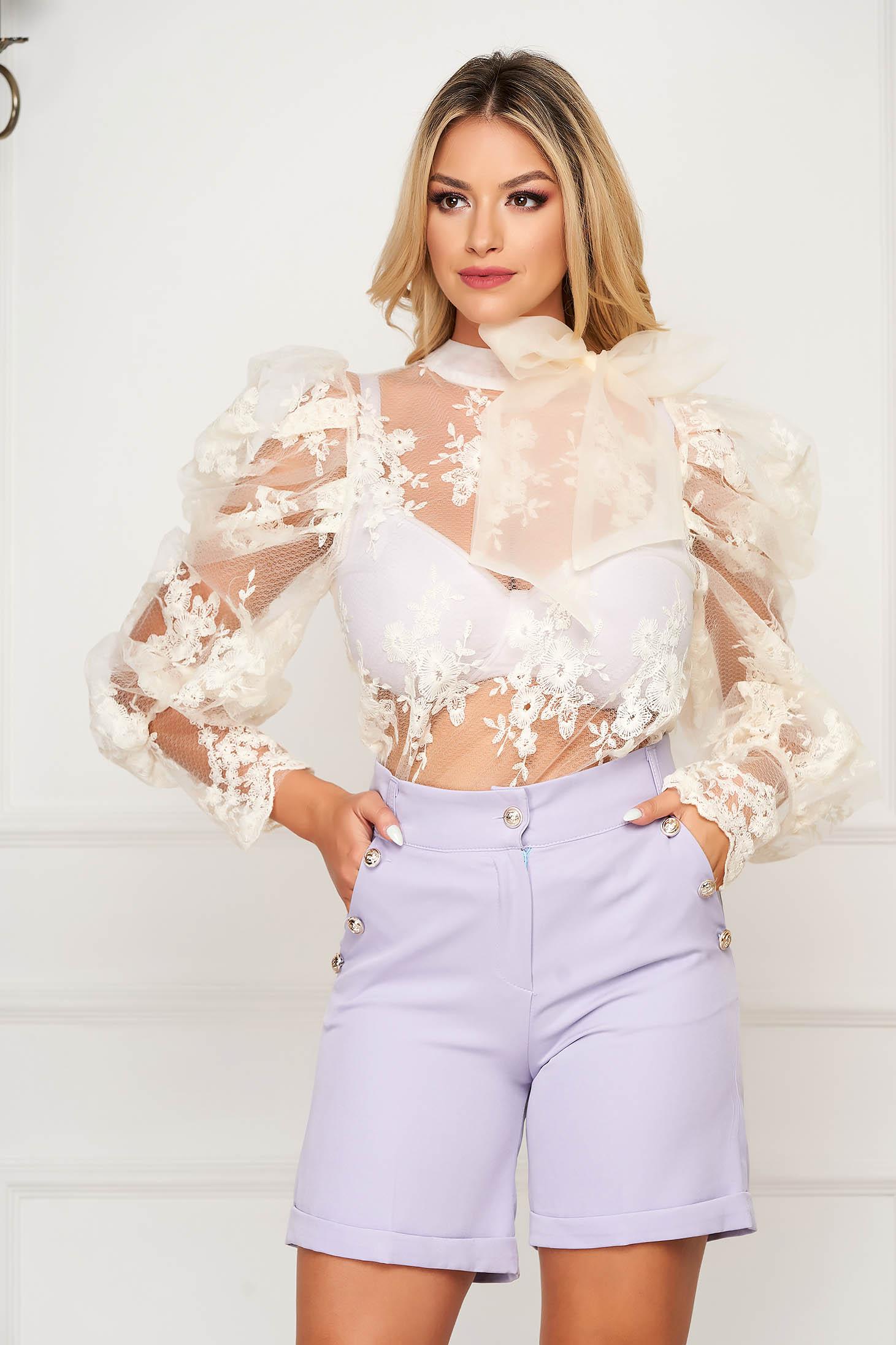 Bluza dama SunShine crem scurta de ocazie din tul si aplicatii de dantela cu croi larg si maneci bufante