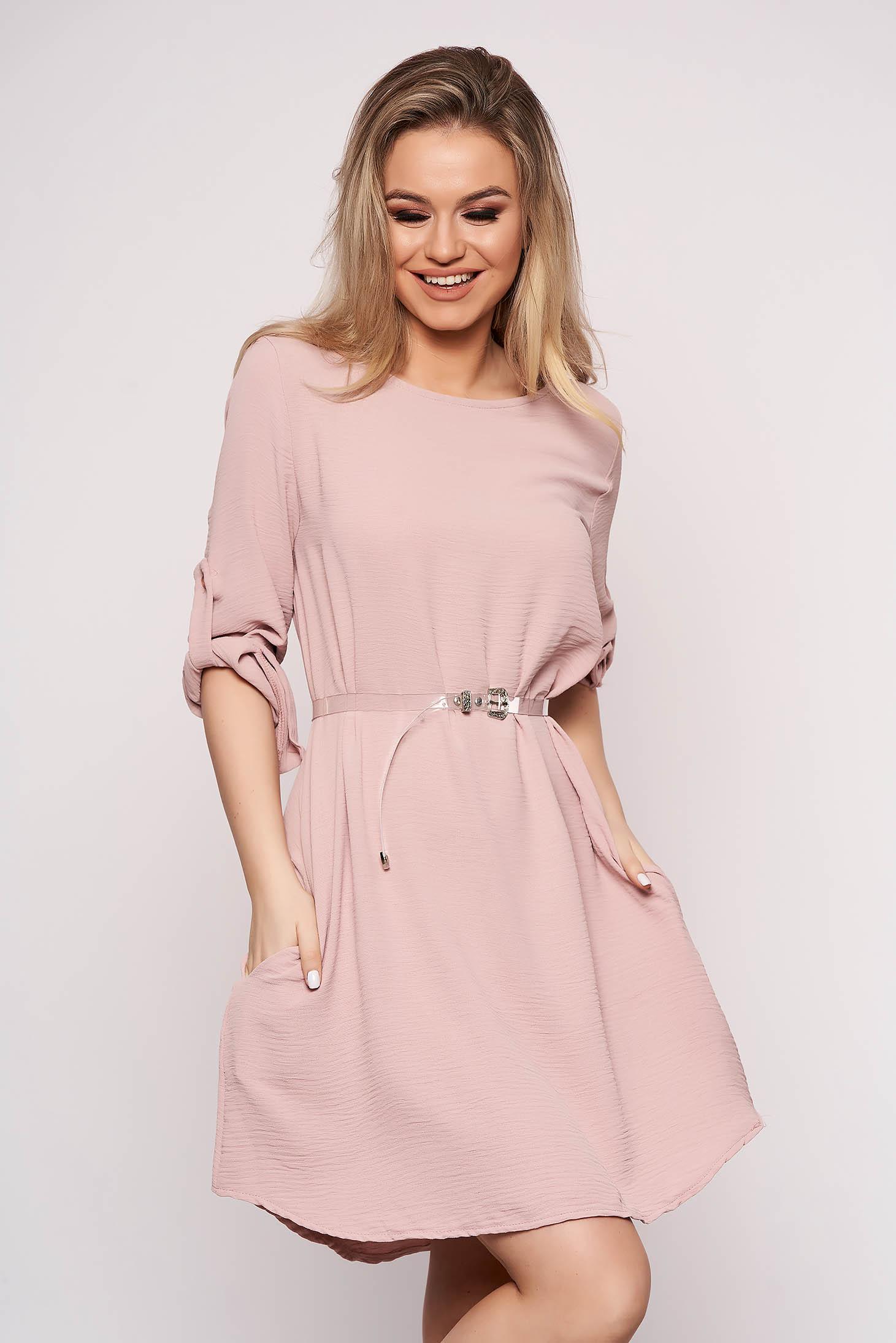 Púder rózsaszínű casual bő szabású aszimetrikus ruha öv típusú kiegészítővel háromnegyedes ujjakkal
