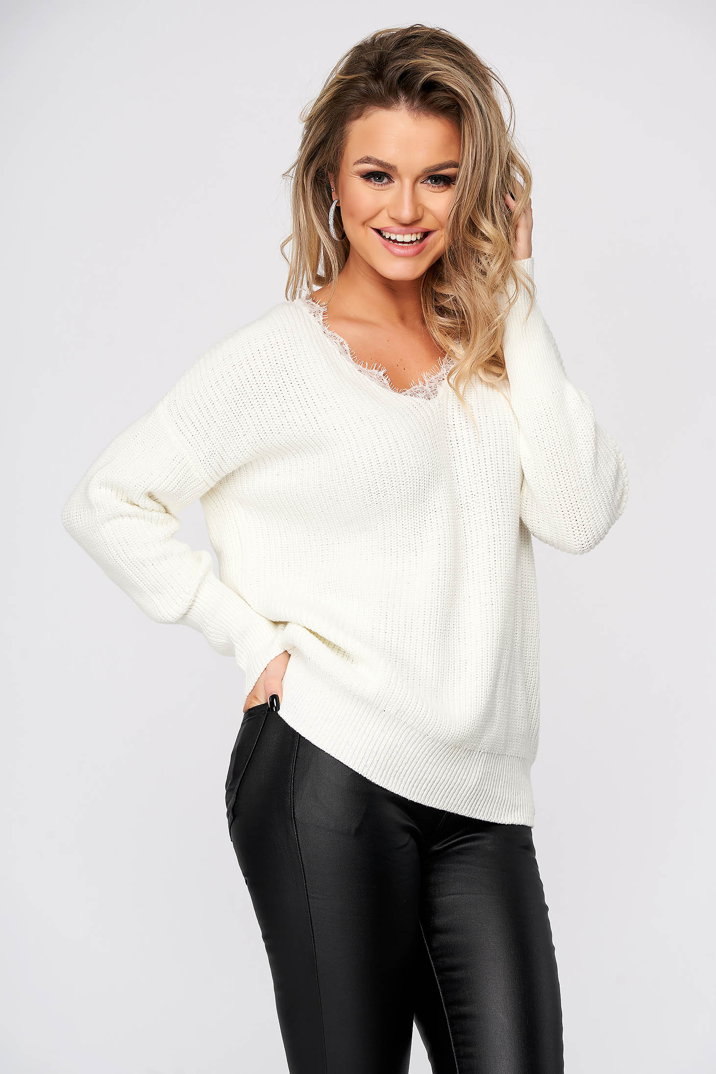 White sweater casual with v-neckline with lace details