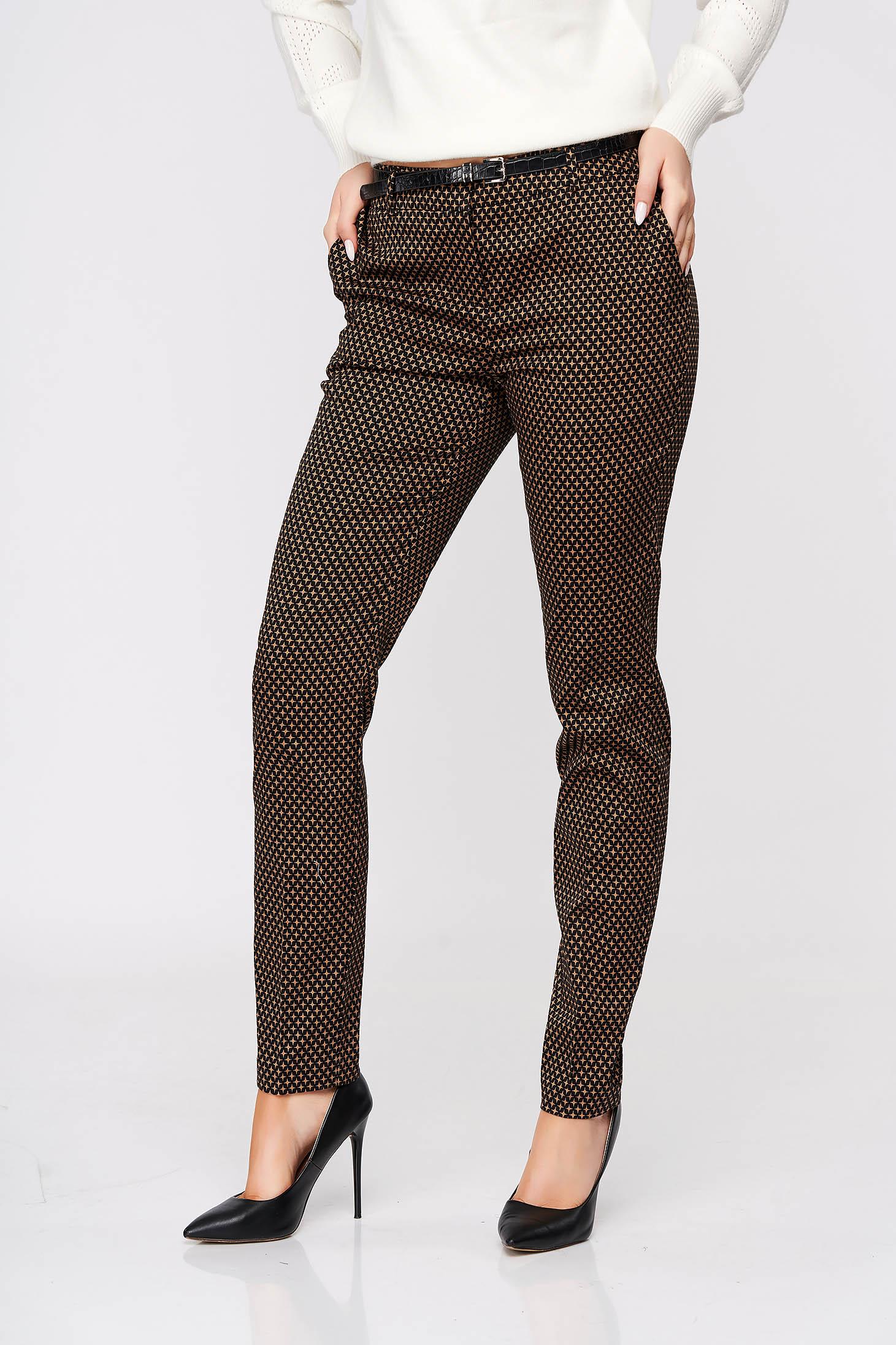 Pantaloni Top Secret albastru-inchis conici cu talie medie cu accesoriu tip curea