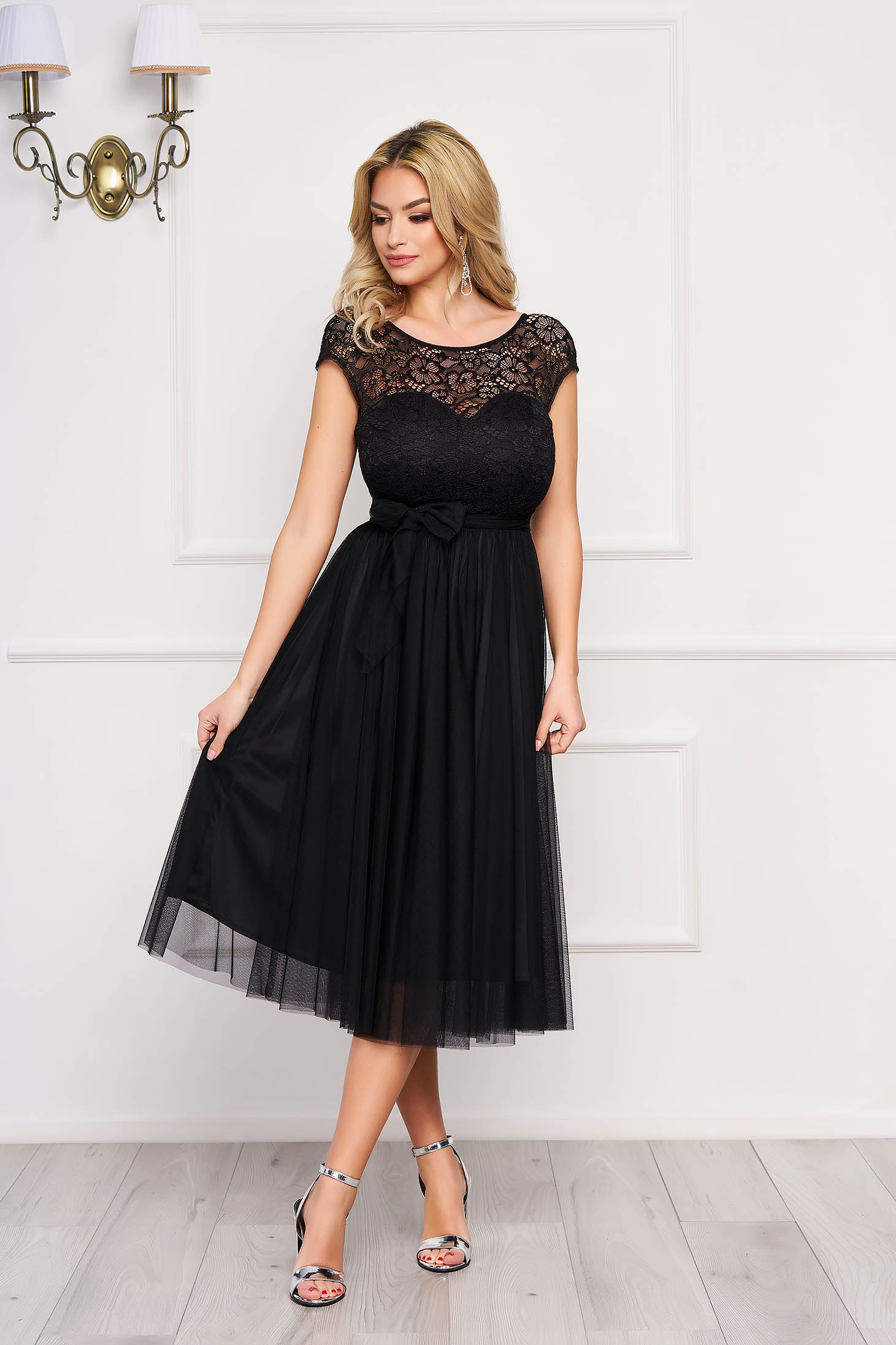 Dress StarShinerS black midi occasional cloche laced accessorized with tied waistband