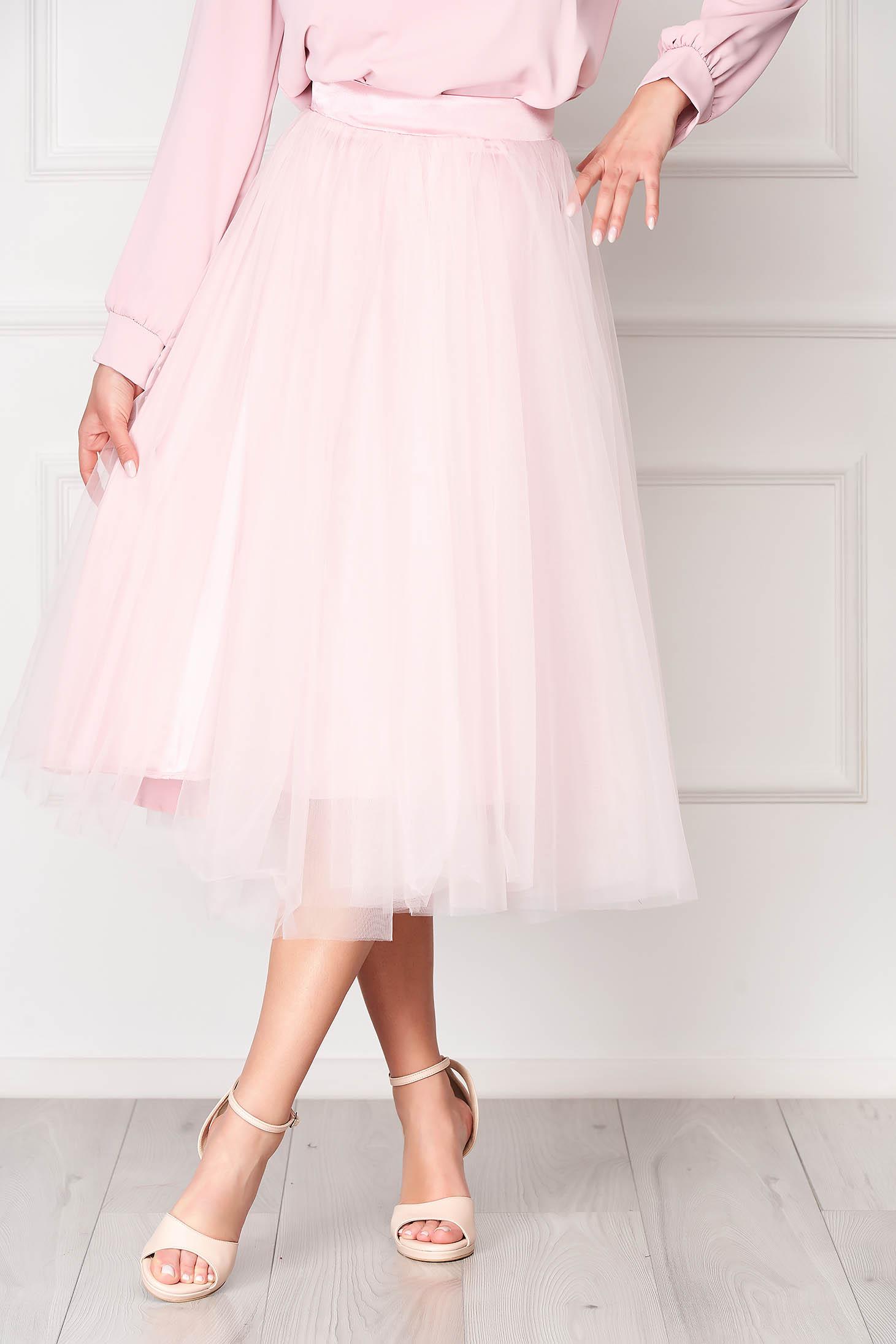Fusta StarShinerS roz deschis eleganta midi in clos din tul cu talie inalta