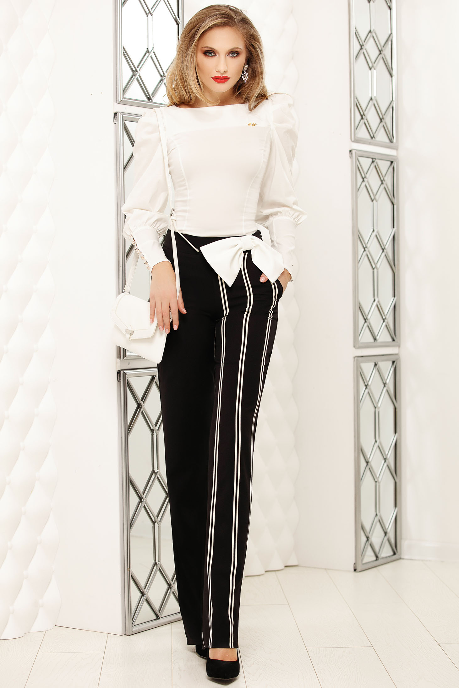 Black trousers office flared with pockets with vertical stripes high waisted