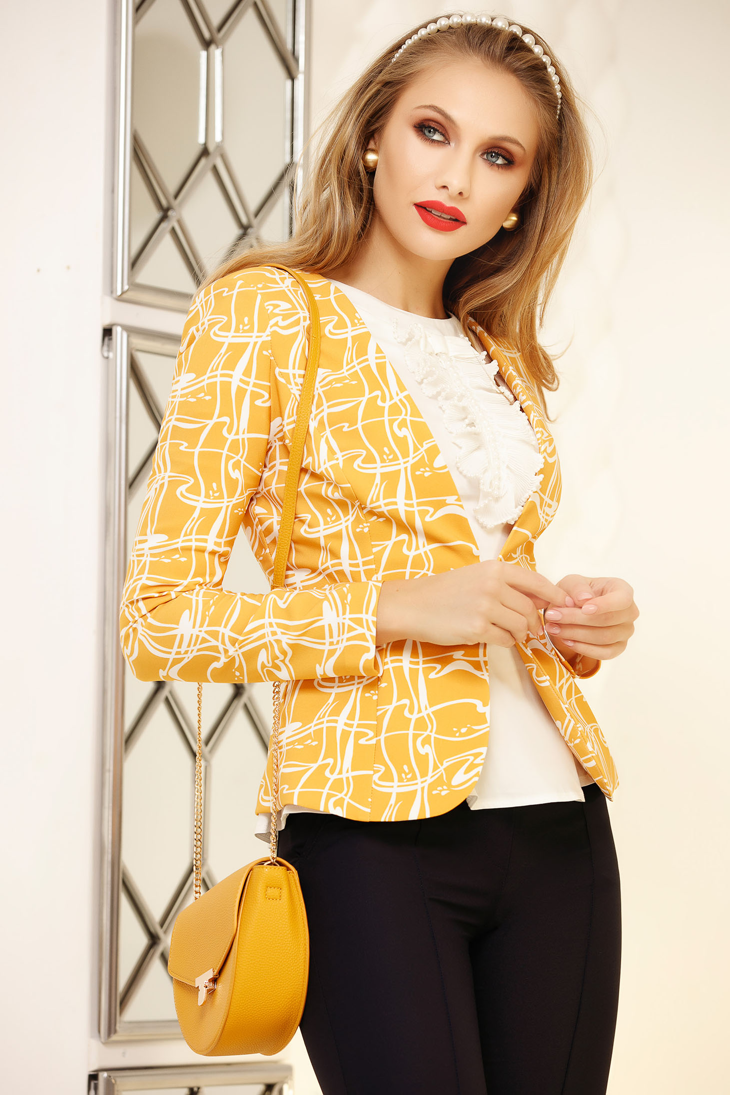 Jacket yellow office tented short cut with graphic print cloth