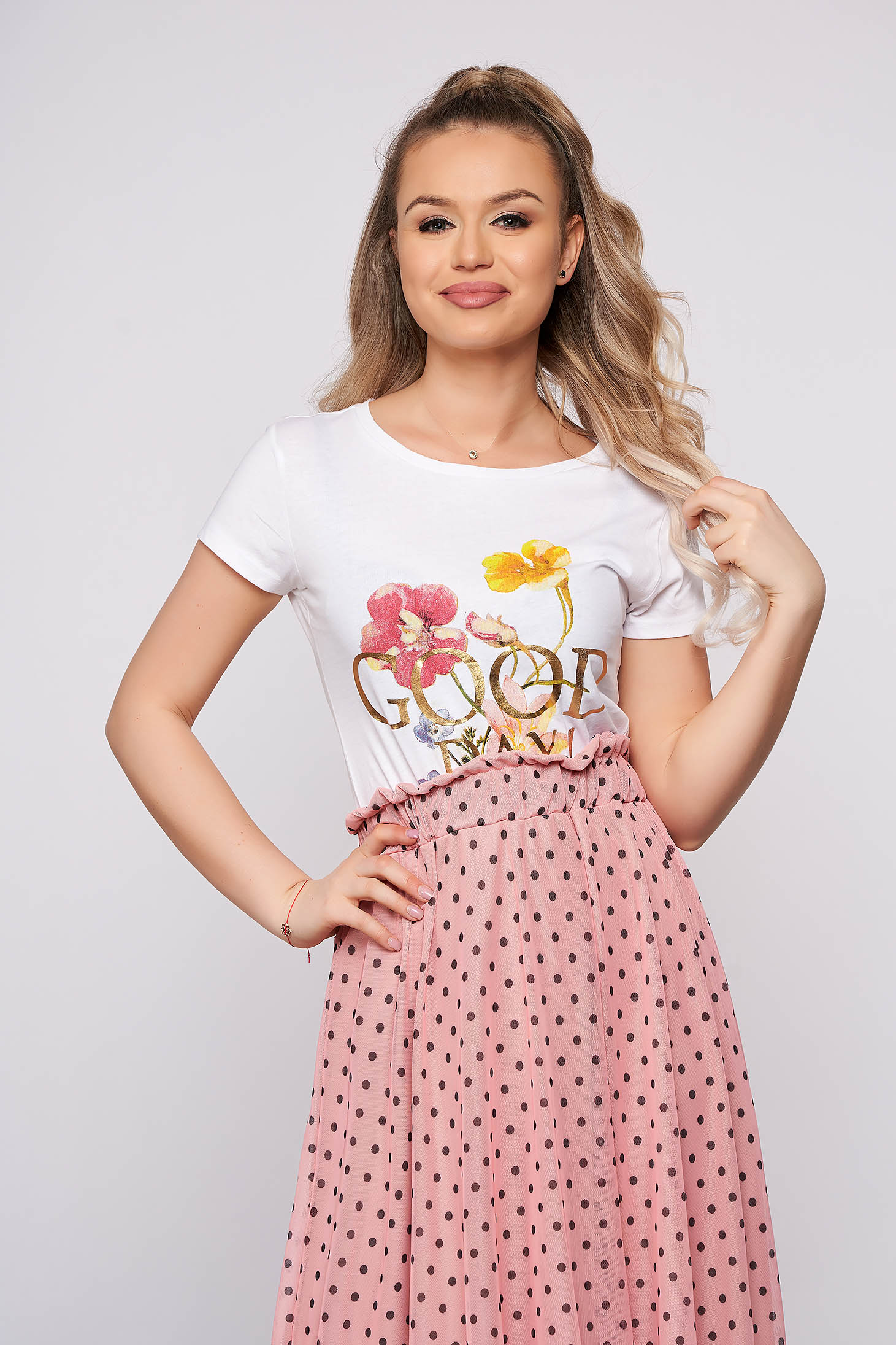 White casual tented short cut t-shirt with writing print with floral prints short sleeves