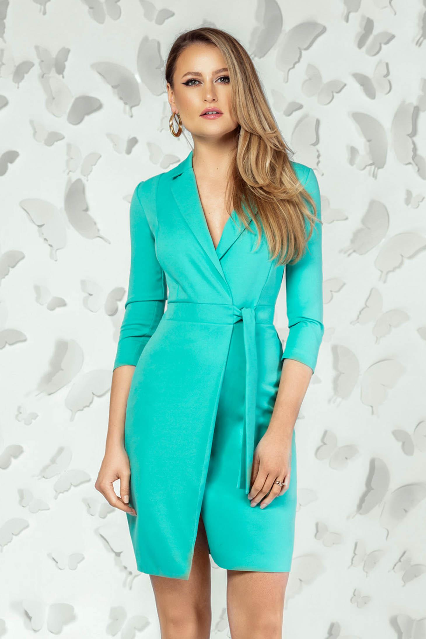 Lightgreen dress elegant short cut pencil with v-neckline with 3/4 sleeves