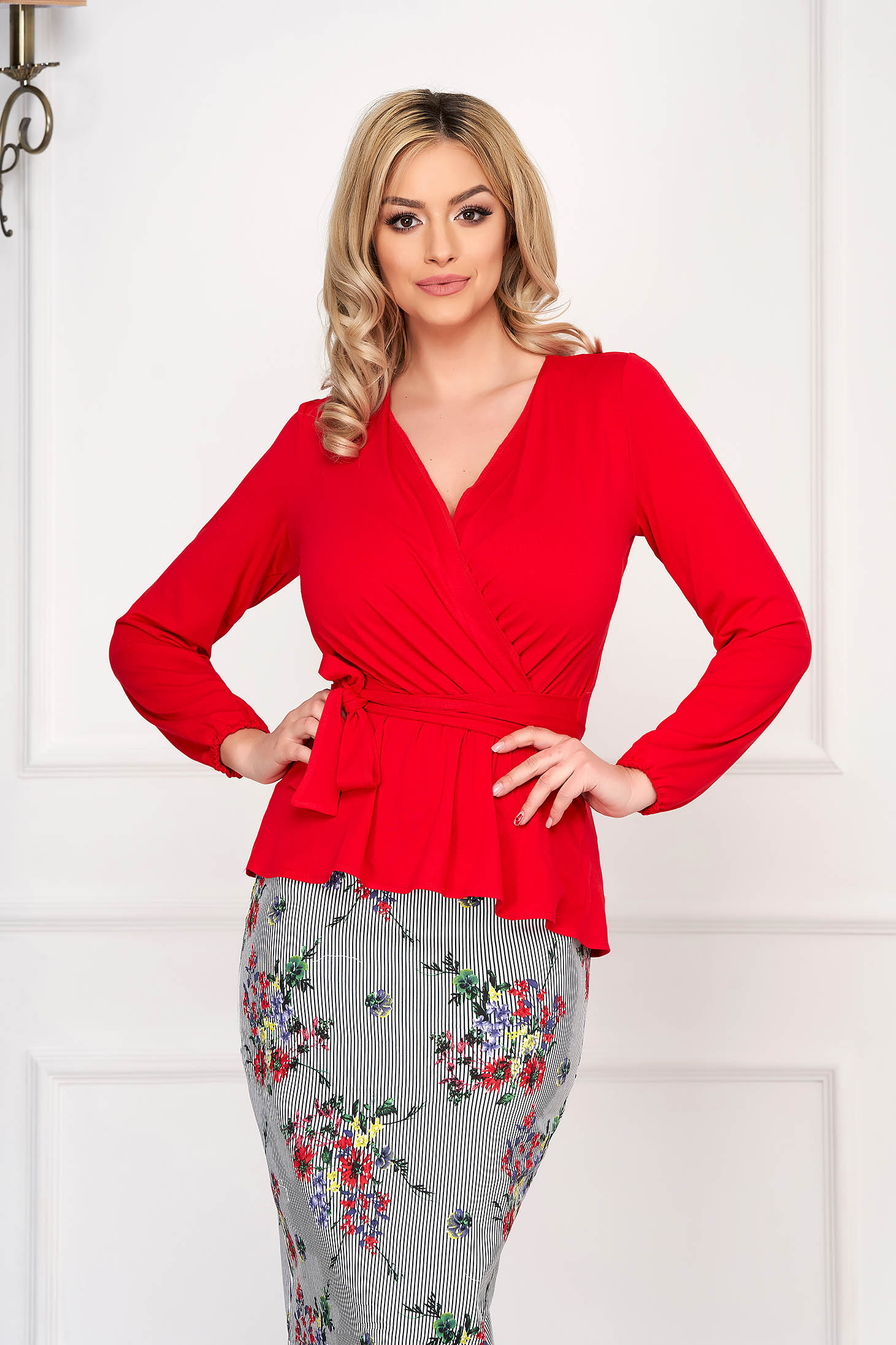 Red StarShinerS elegant women`s blouse short cut jersey long sleeved