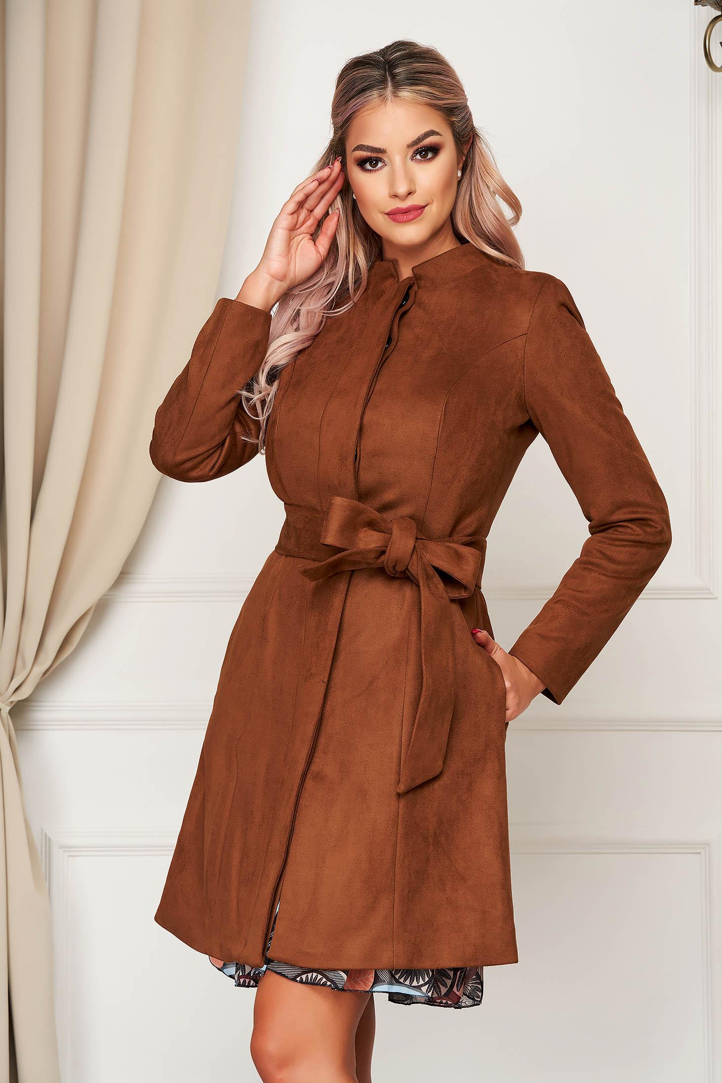 Barna elegáns zsebes egyenes kabát velúrból