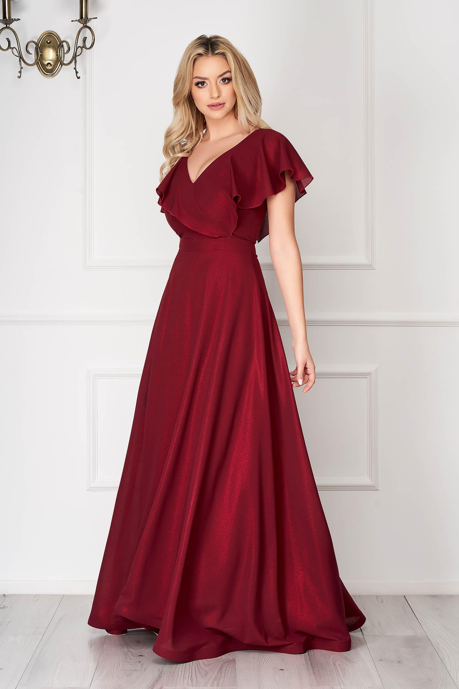 StarShinerS burgundy alkalmi ruha deréktól bővülő szabású fodrokkal a dekoltázs vonalánál