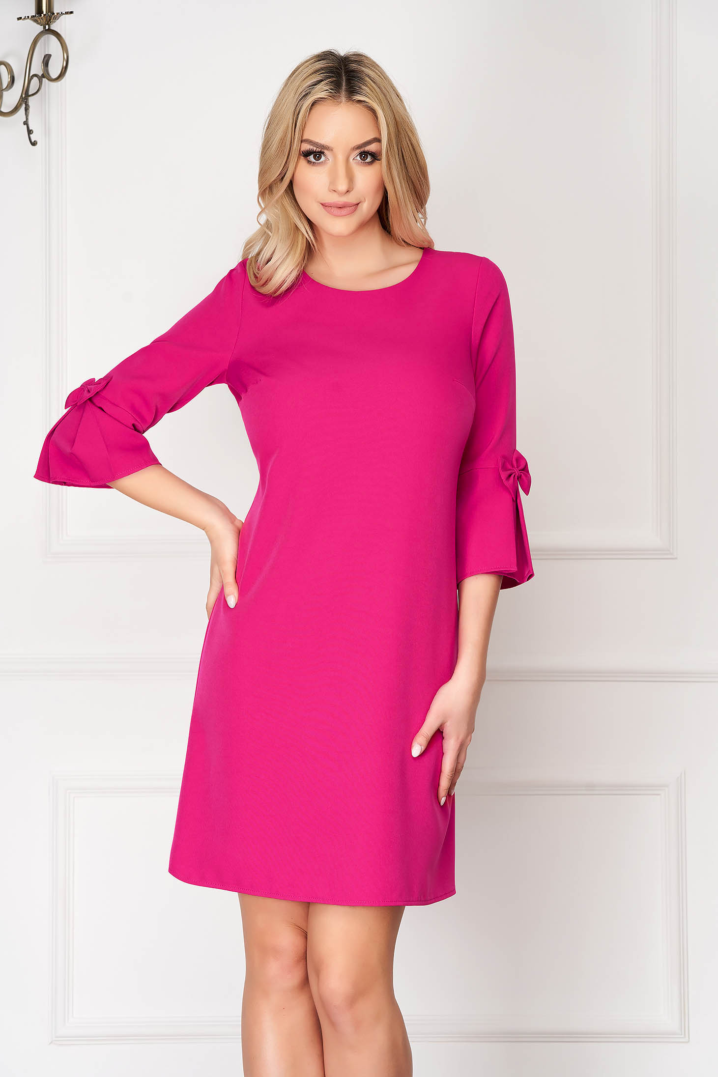 Pink elegant dress straight short cut cloth with 3/4 sleeves