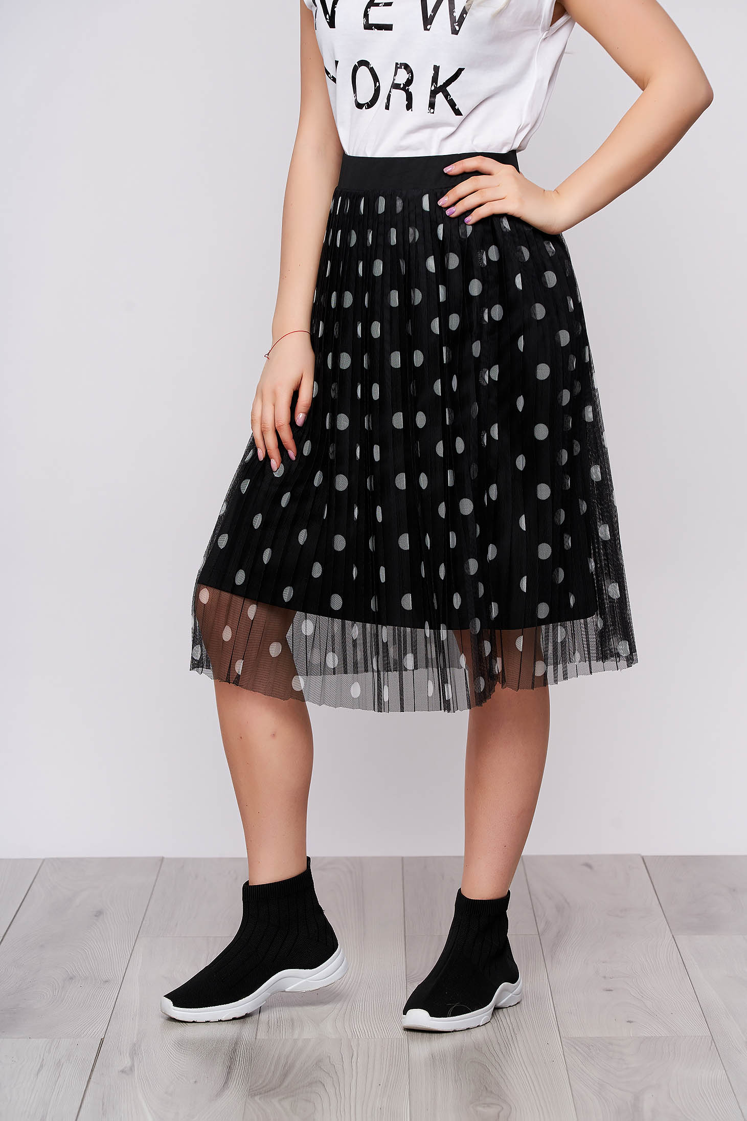 Black high waisted casual midi cloche skirt with dots print