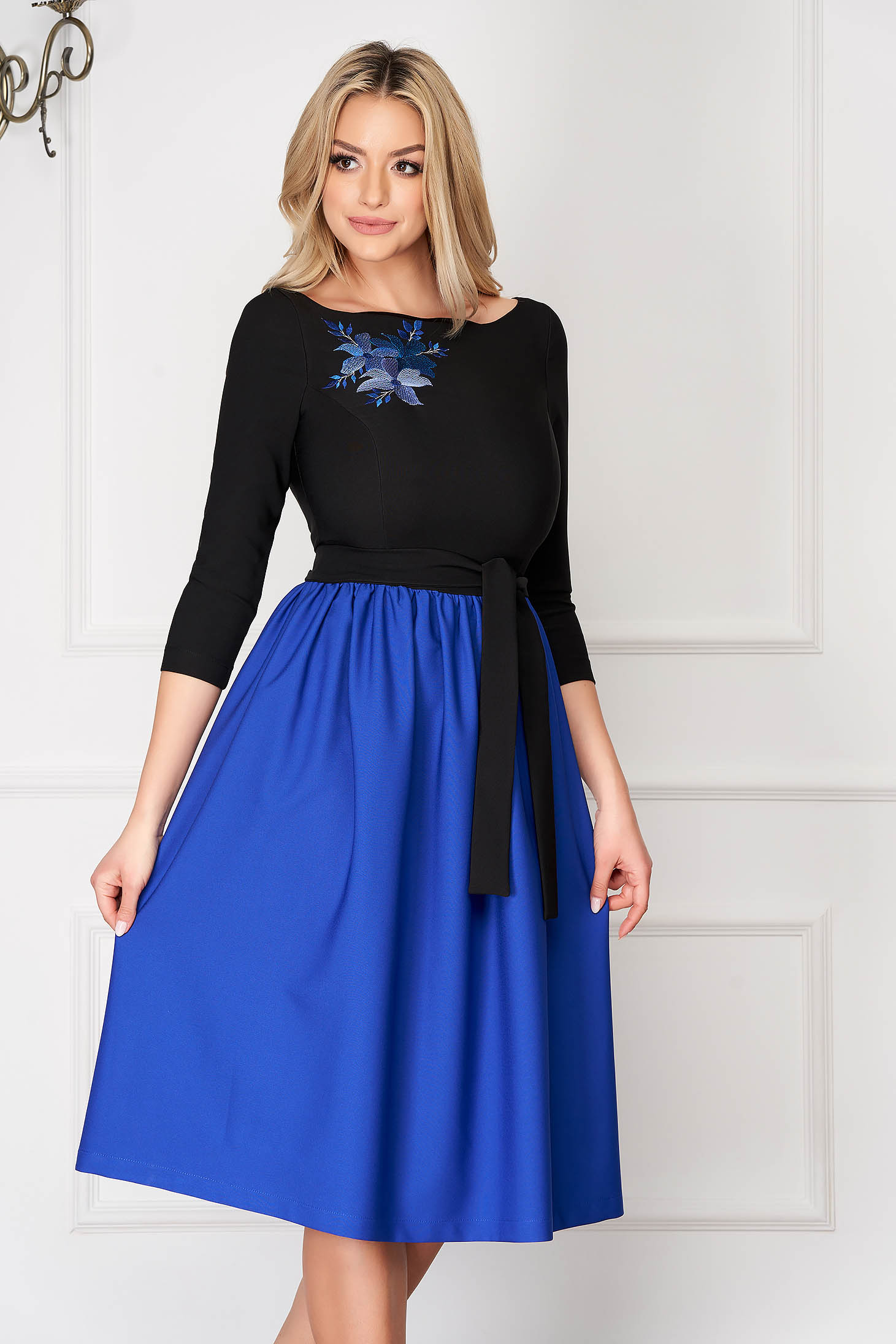 Blue StarShinerS midi occasional cloche dress cloth with 3/4 sleeves embroidery details