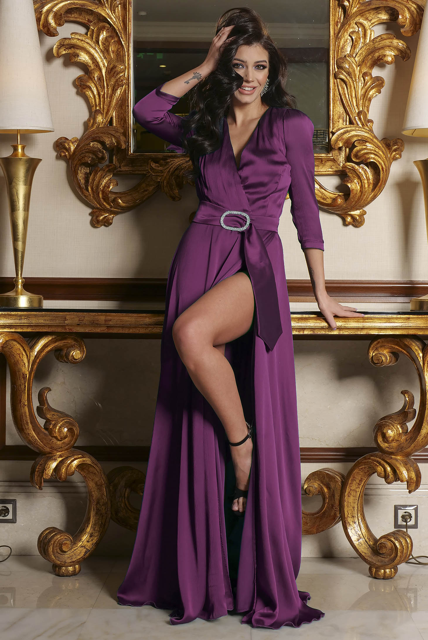 Purple dress accessorized with a waistband slit with v-neckline occasional cloche long from satin