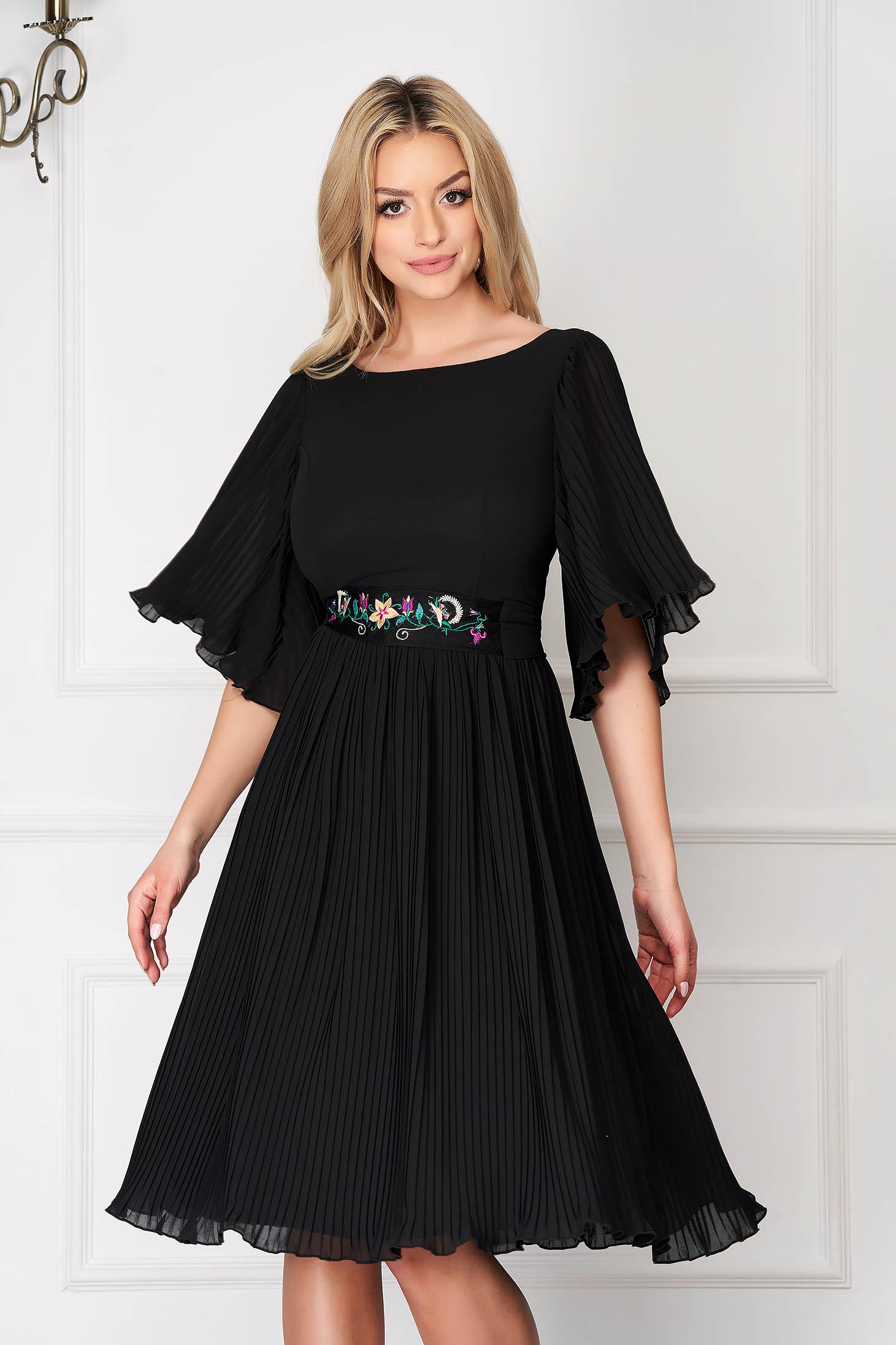 Rochie StarShinerS neagra eleganta midi din voal plisat cu cordon brodat in atelierele StarShinerS