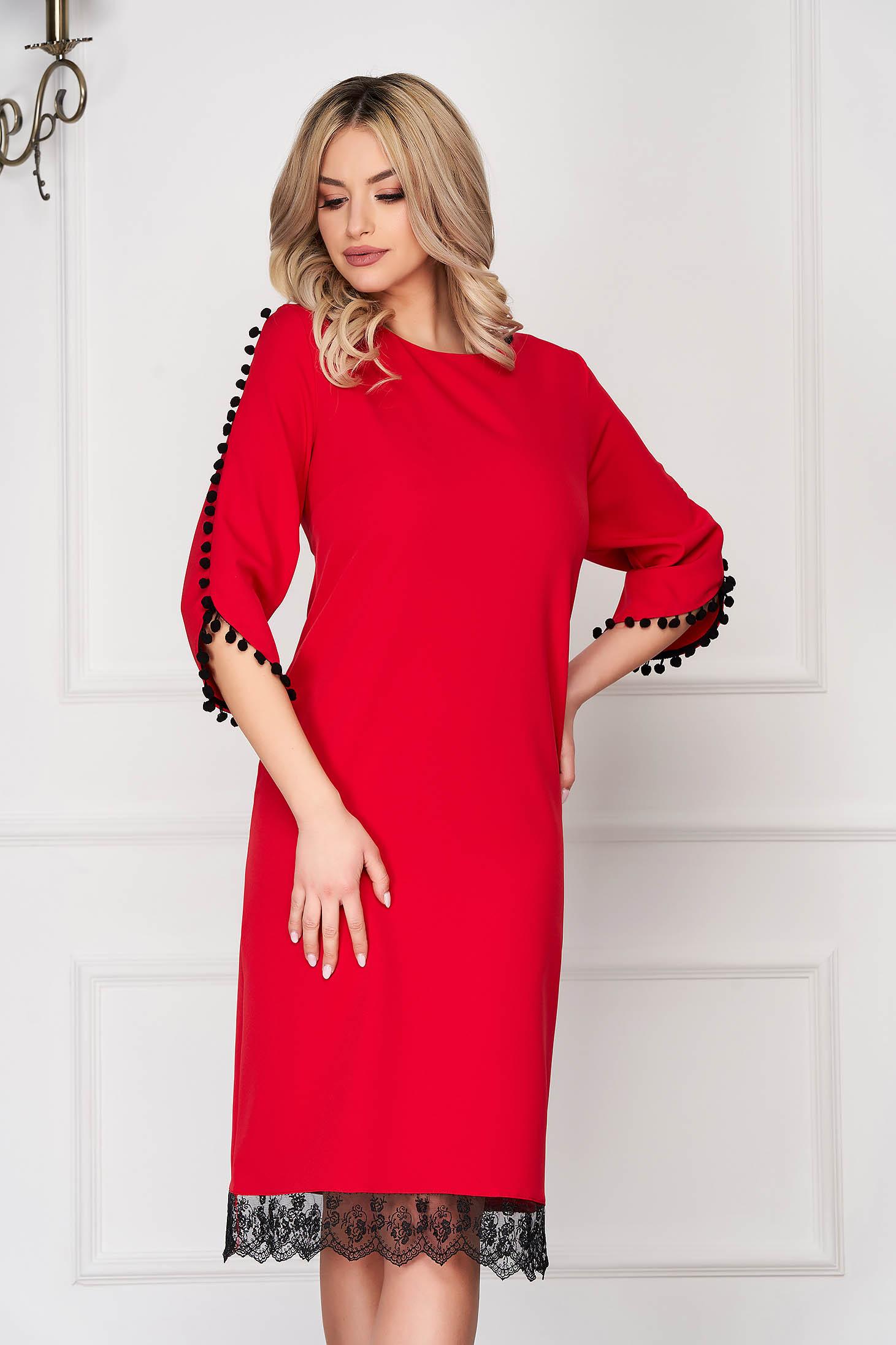 Rochie rosie eleganta midi cu un croi drept din stofa cu ciucuri si aplicatii de dantela