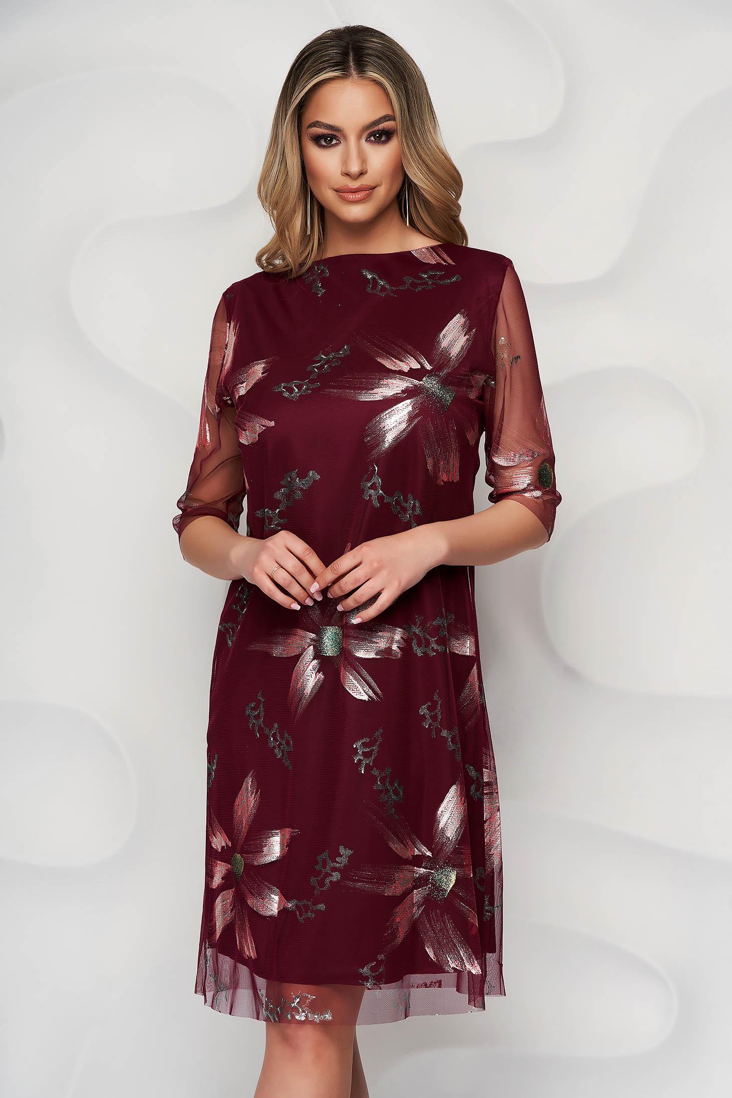 Burgundy elegáns rövid ruha egyenes szabású muszlinból virágmintás díszítéssel