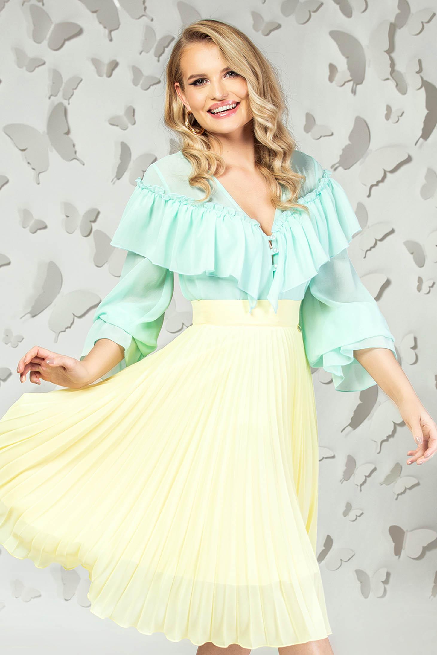Bluza dama PrettyGirl mint eleganta scurta din voal cu croi larg si volanase