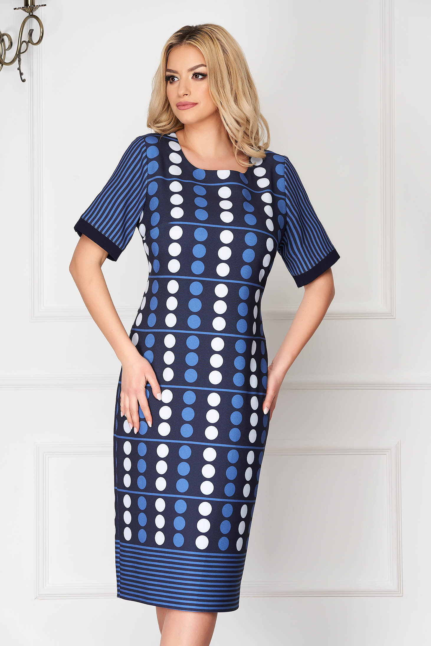 Rochie albastru-inchis office tip creion midi cu buline si cu dungi cu maneci scurte