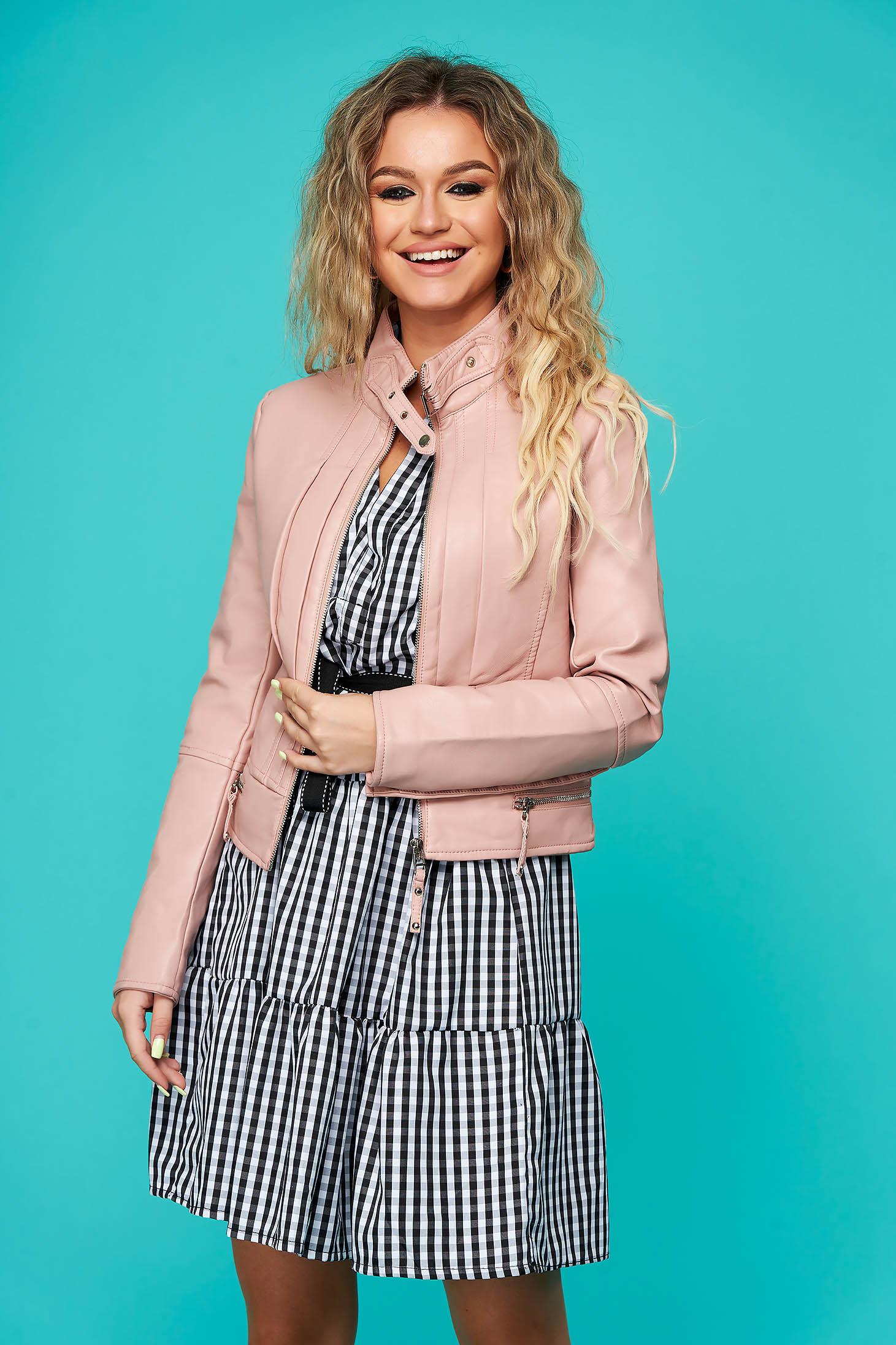 Világos rózsaszínű casual rövid dzseki műbőrből magas nyakrésszel