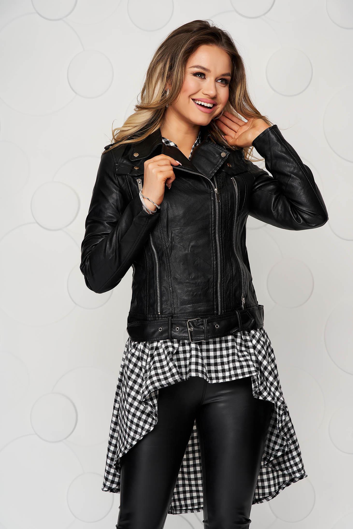 Fekete Casual rövid dzseki műbőrből és csattos kiegészítővel