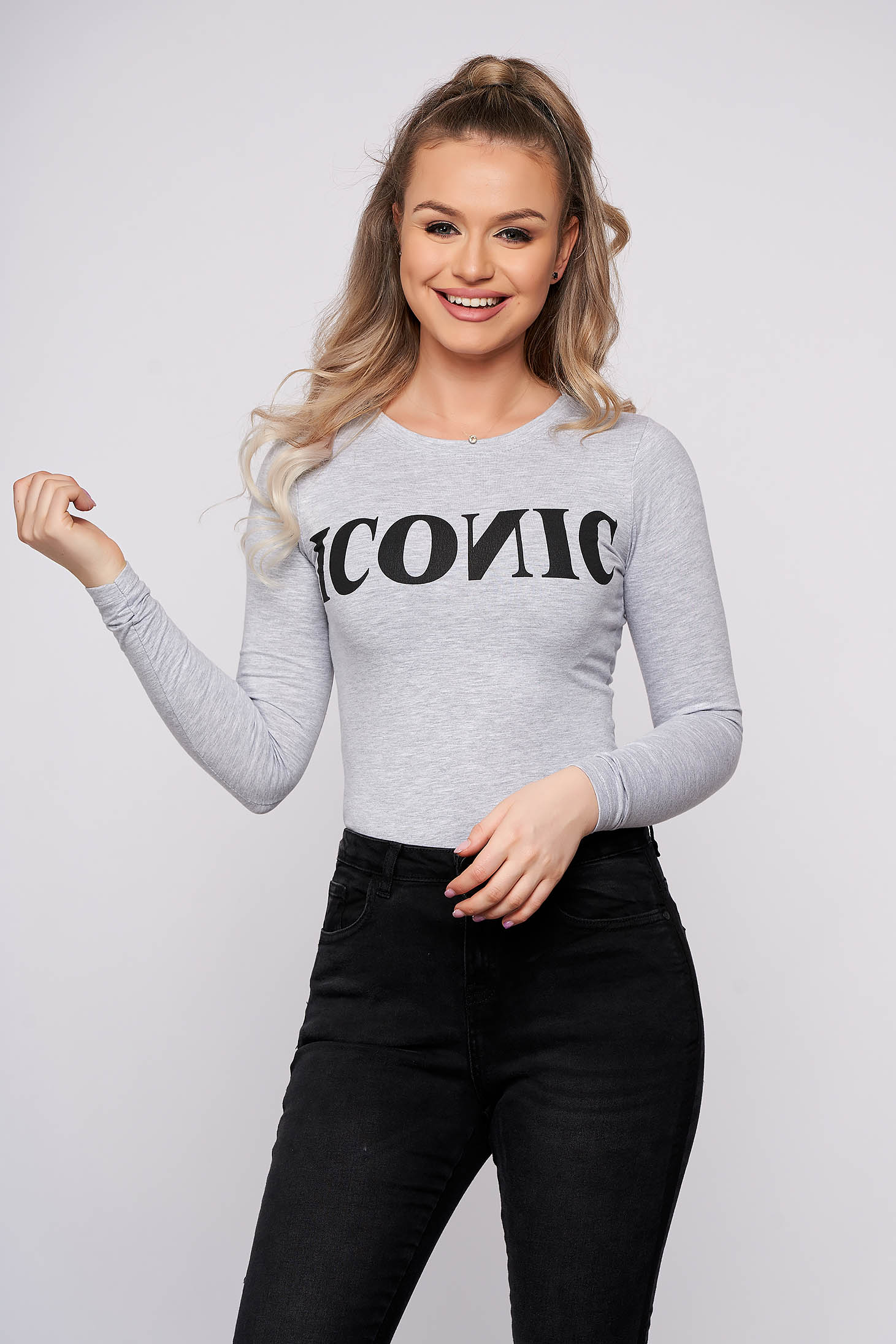 Grey basic cotton body with tented cut texted details