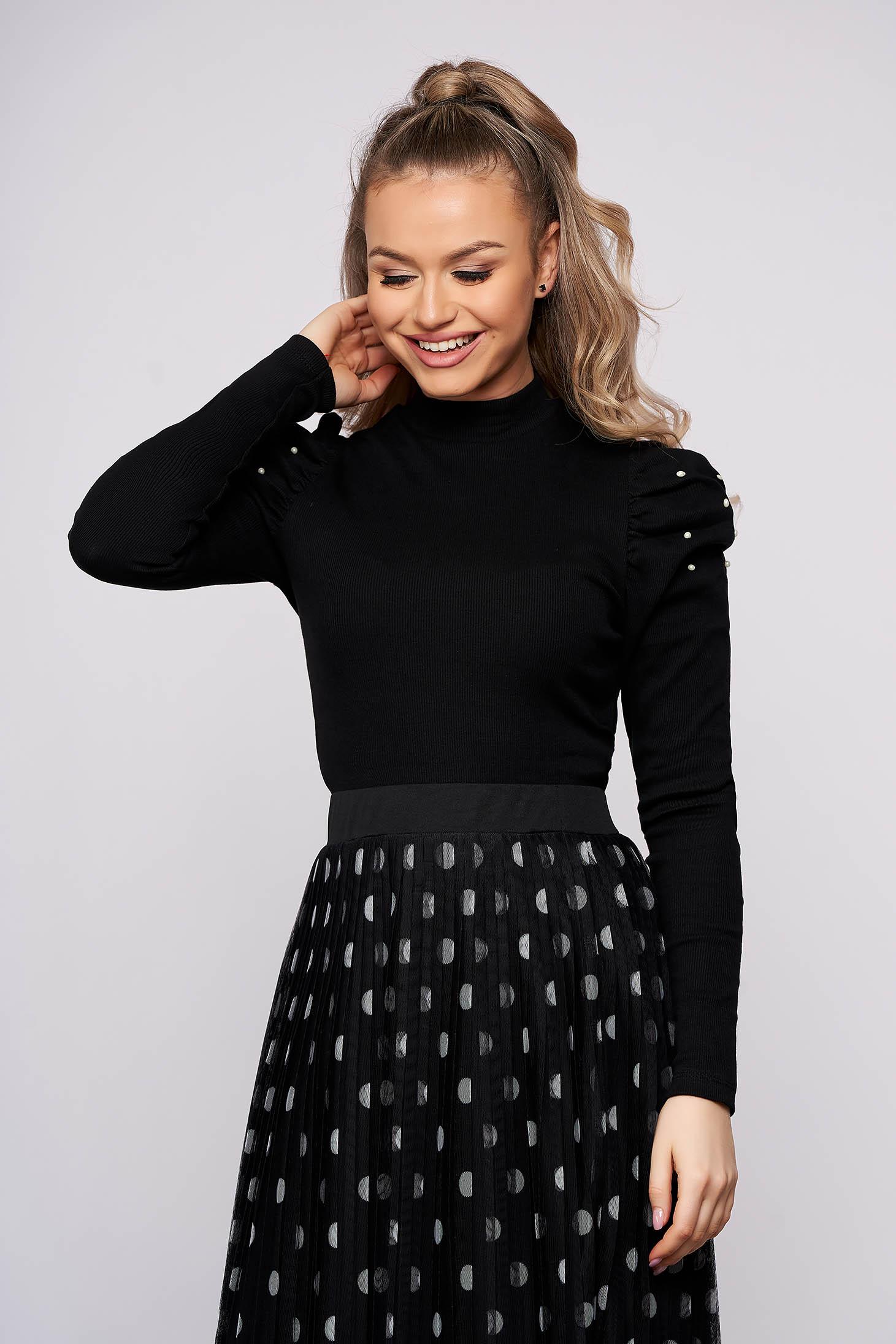 Bluza dama SunShine neagra mulata pe gat din material reiat cu umeri cu volum