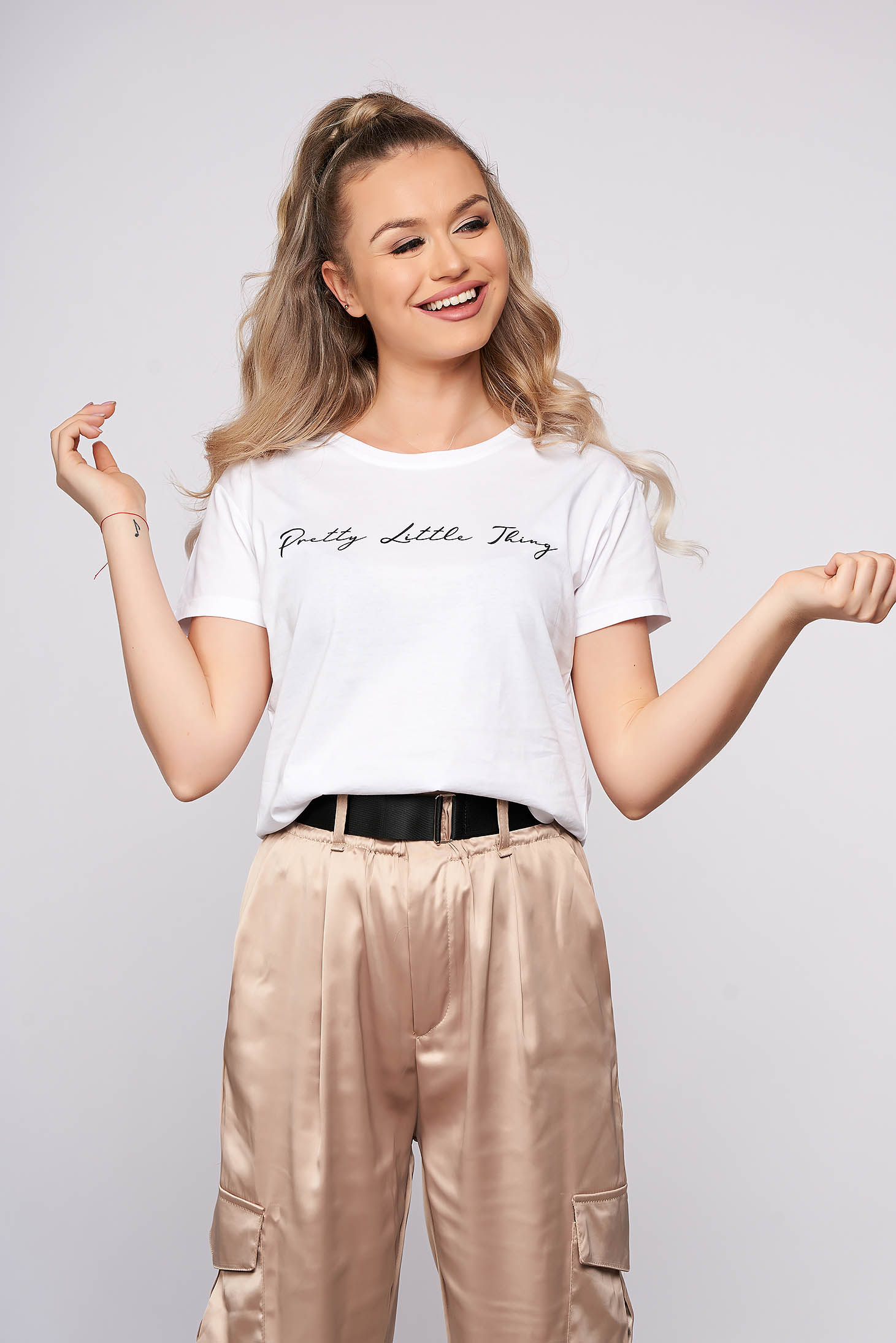 White casual short cut flared t-shirt cotton texted