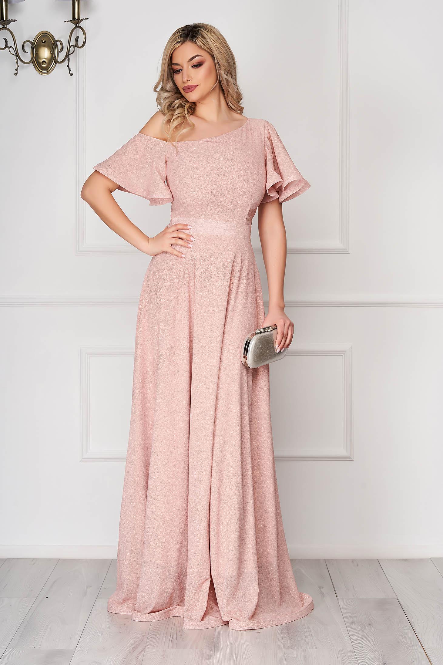 Rochie StarShinerS roz prafuit lunga de ocazie in clos din voal cu sclipici pe umar cu rijelina
