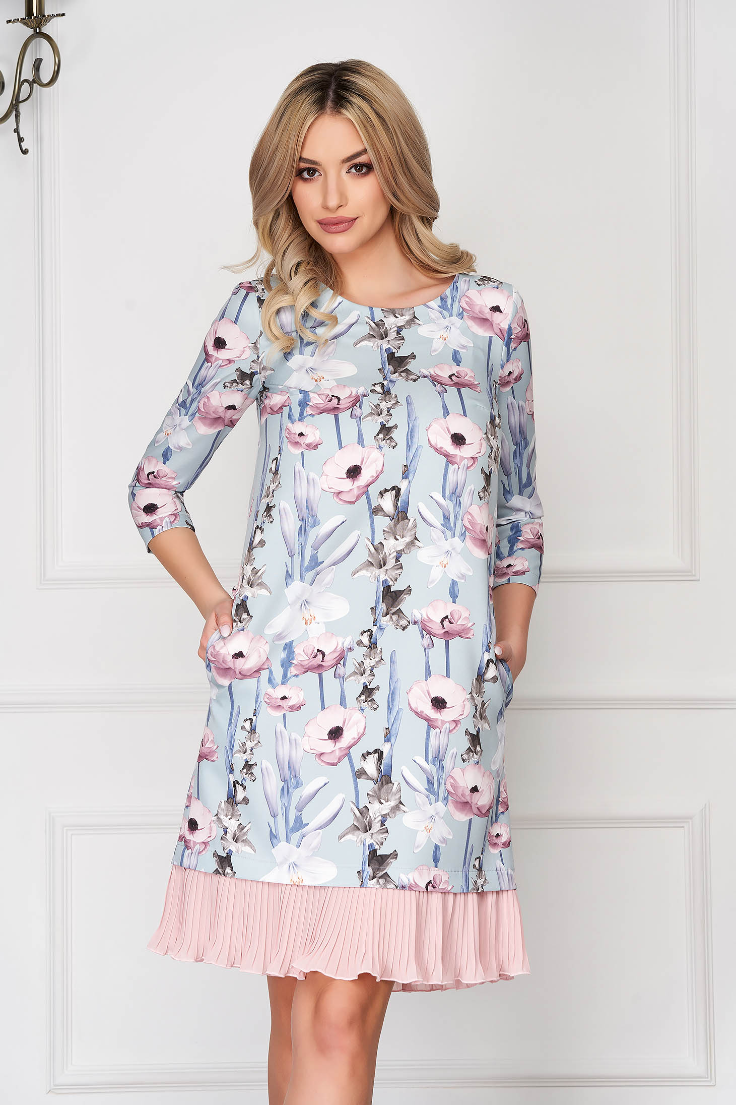 Dress StarShinerS lightblue short cut daily a-line with pockets with ruffles at the buttom of the dress