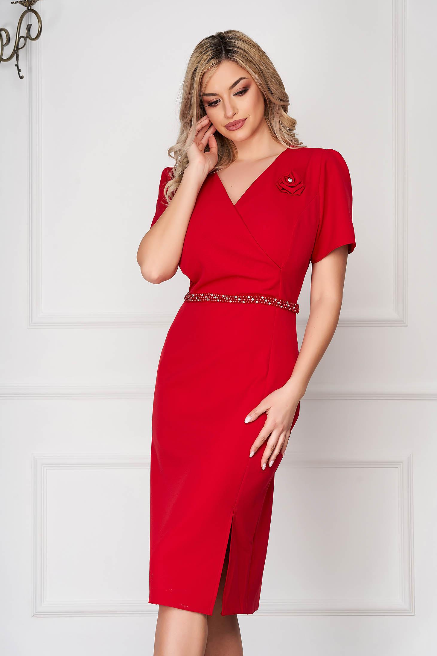 Rochie rosie eleganta midi tip creion din stofa subtire cu maneci scurte