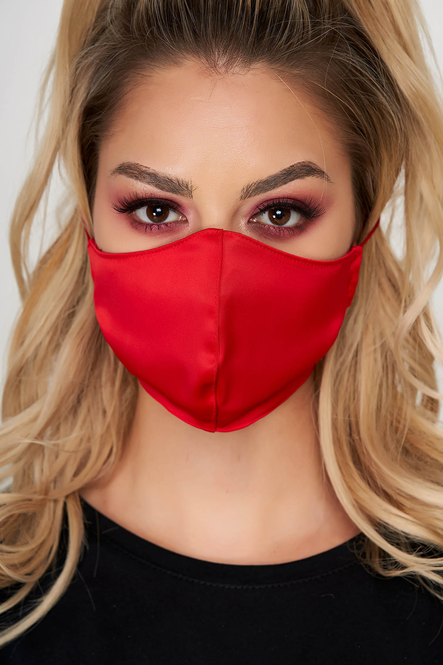 Face masks StarShinerS red from satin cloth