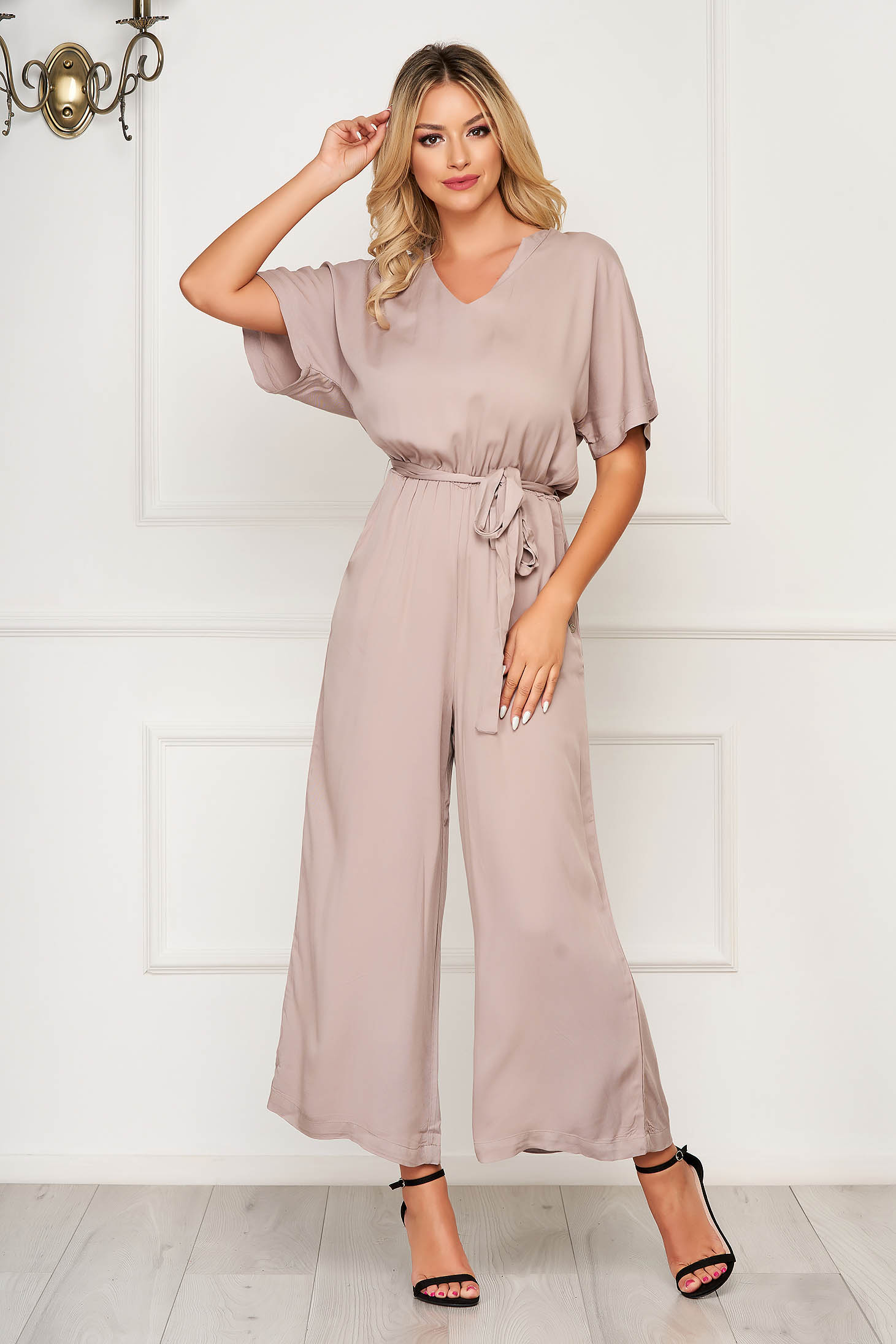 Lightgrey jumpsuit casual flared accessorized with tied waistband