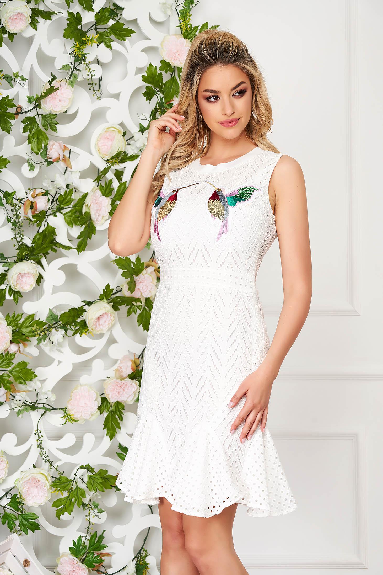 White dress short cut daily cloche pierced fabric sleeveless