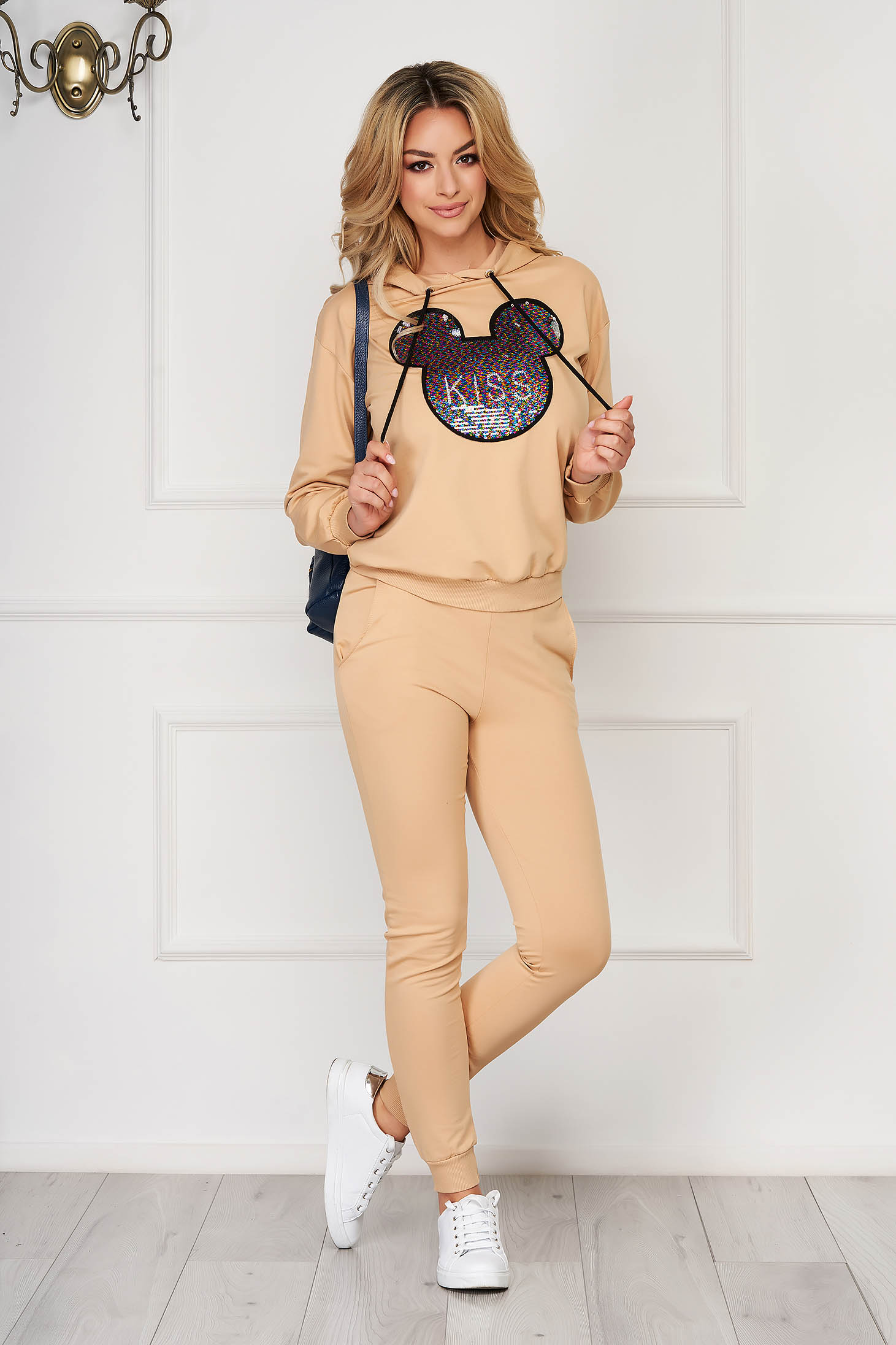 Trening dama SunShine crem casual din doua piese din bumbac cu pantaloni si bluza cu gluga