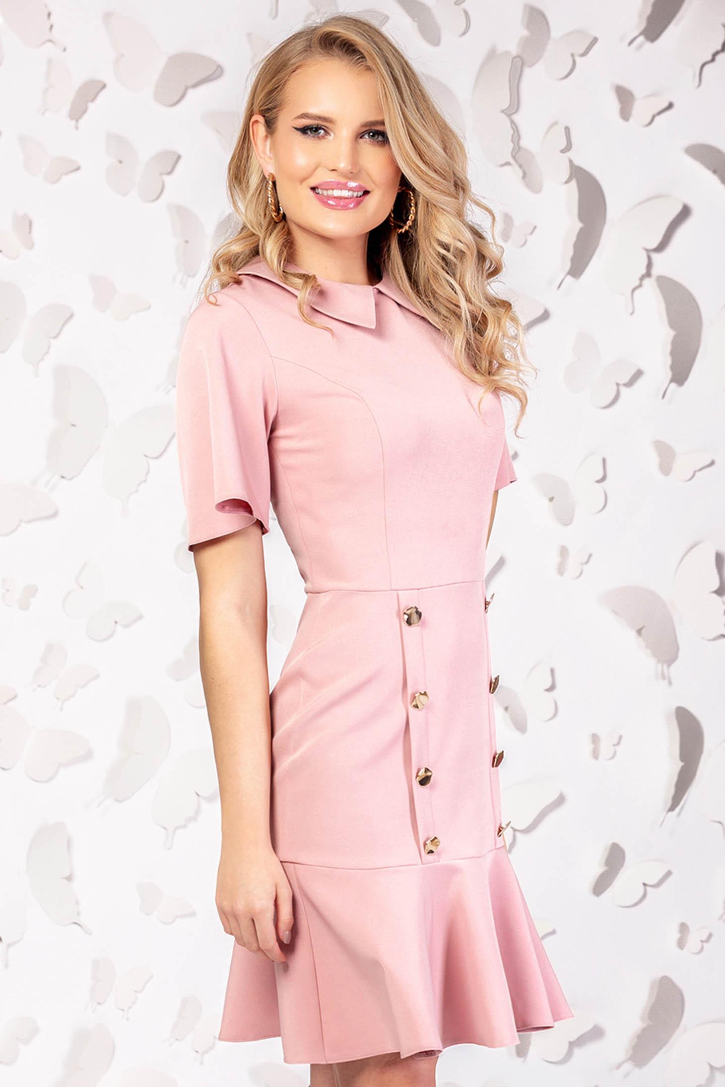 Rochie PrettyGirl roz prafuit eleganta scurta maneci largi accesorizata cu nasturi