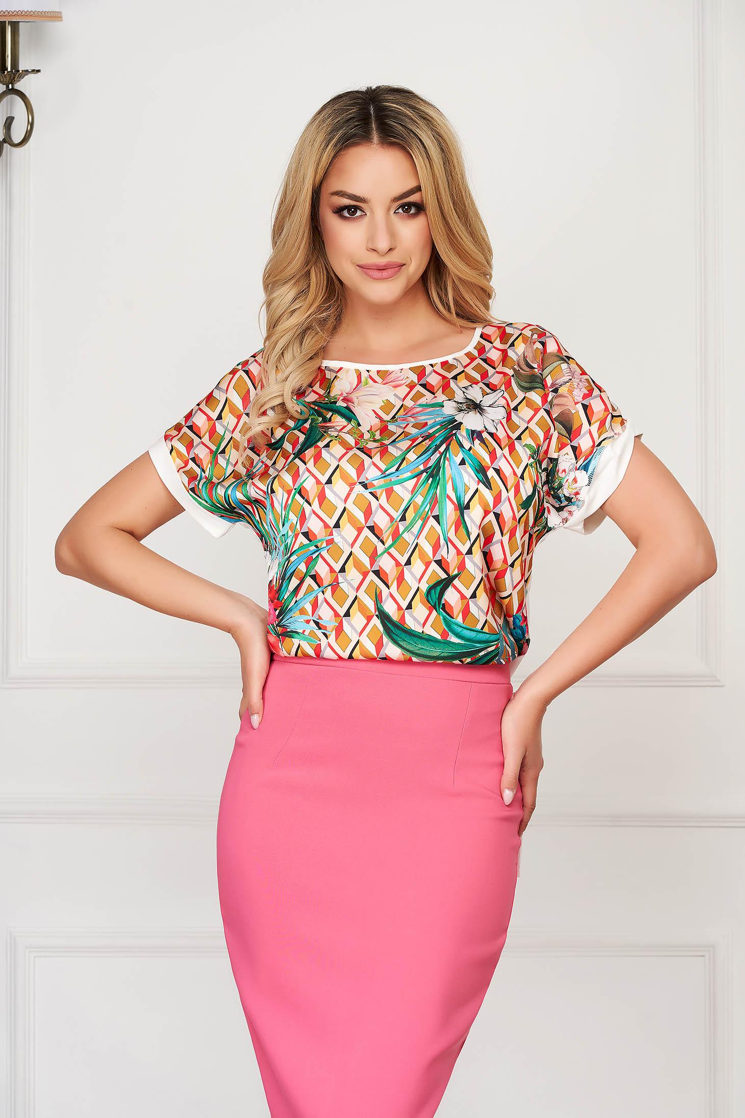 Bluza dama StarShinerS crem eleganta cu croi larg asimetric si print frontal